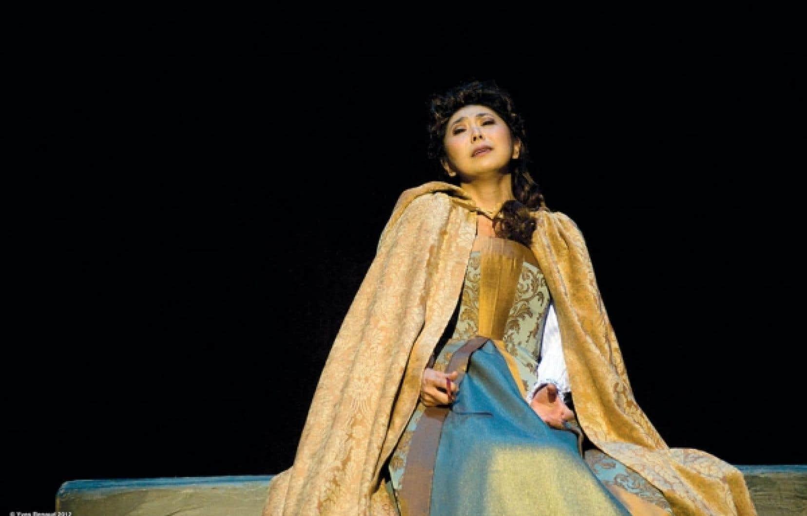 Hiromi Omura dans le rôle de Leonora, dans Le Trouvère à l'Opéra de Montréal<br />