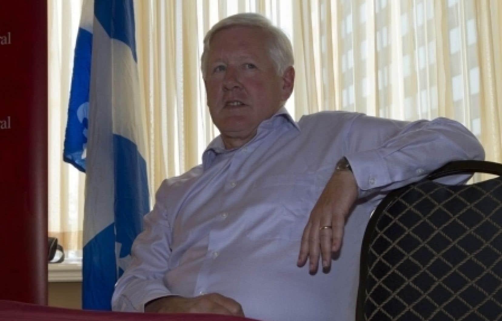 Bob Rae a déclaré que la majeure partie des villes canadiennes importantes comprenaient désormais des «ghettos autochtones», où la colère alimentée par les inégalités a mené à des suicides et des actes criminels. <br />