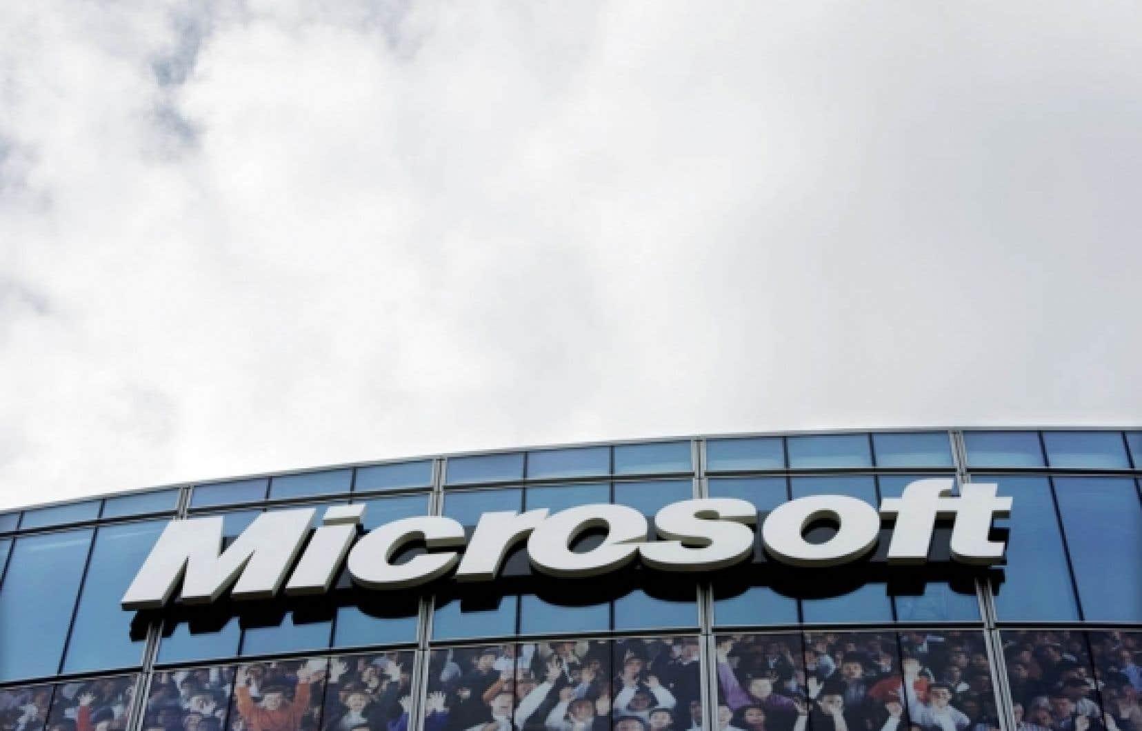 Fujitsu Conseil Canada se présente comme «l'un des plus grands partenaires de Microsoft au monde» et ses employés «entretiennent des liens étroits» avec la multinationale du logiciel.