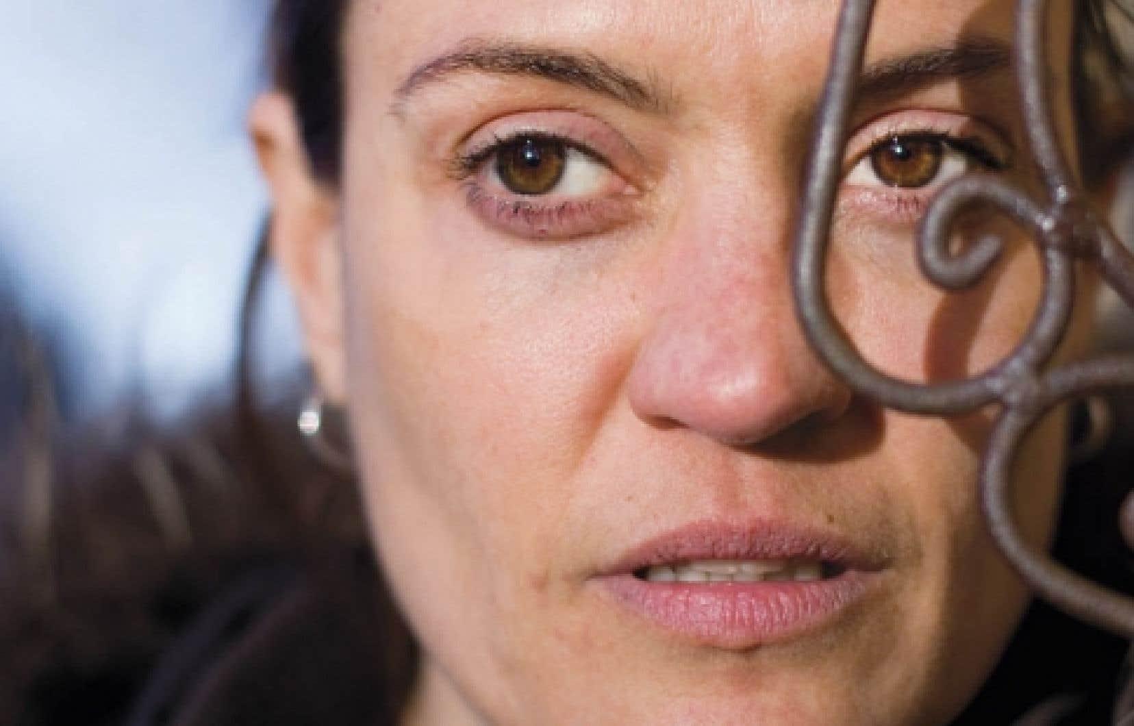 Son film, Brigitte Poupart l&rsquo;a voulu objet artistique, d&eacute;passant le sujet abord&eacute; pour poser des questions sur les cycles de la vie.<br />