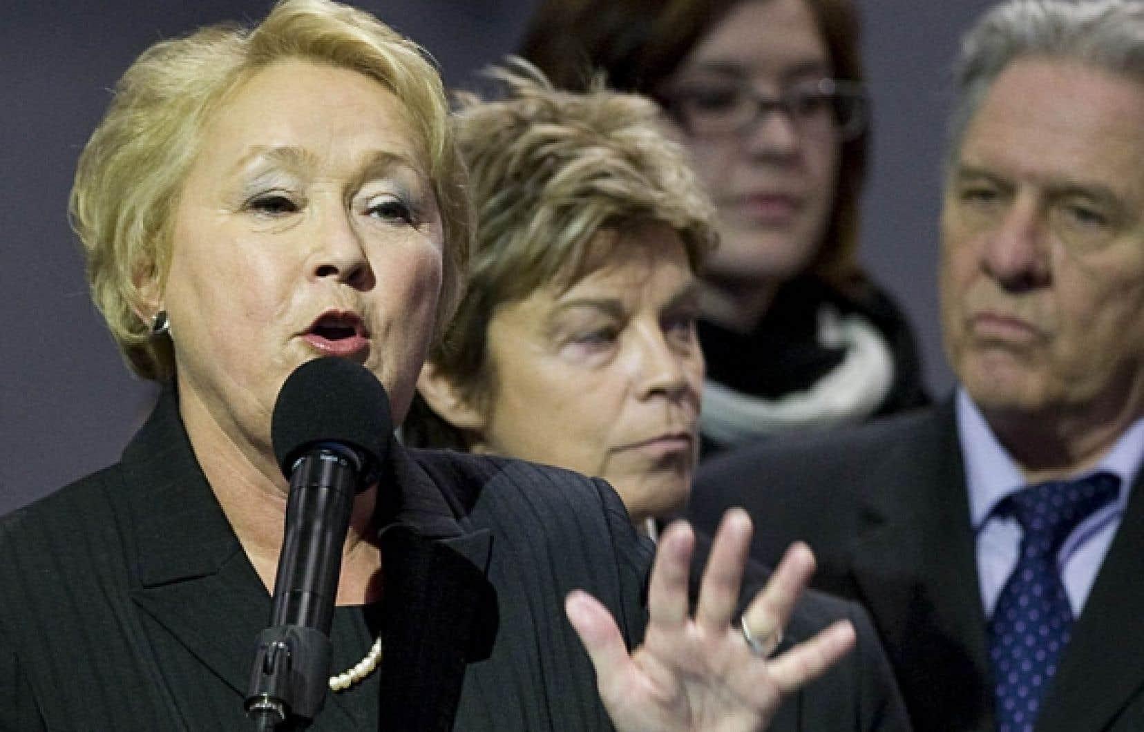 Pauline Marois, Louise Beaudoin et Pierre Curzi pourraient bientôt être réunis au sein du caucus péquiste.<br />
