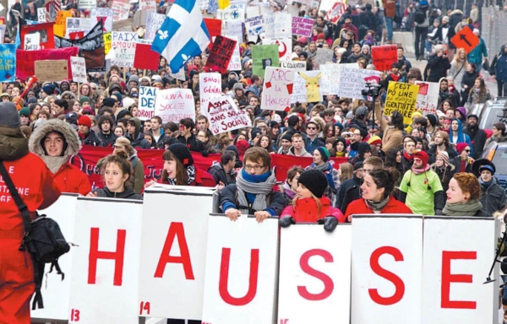 La manifestation d'hier avait moins d'ampleur que celle qui avait attiré des milliers d'étudiants la veille.<br />