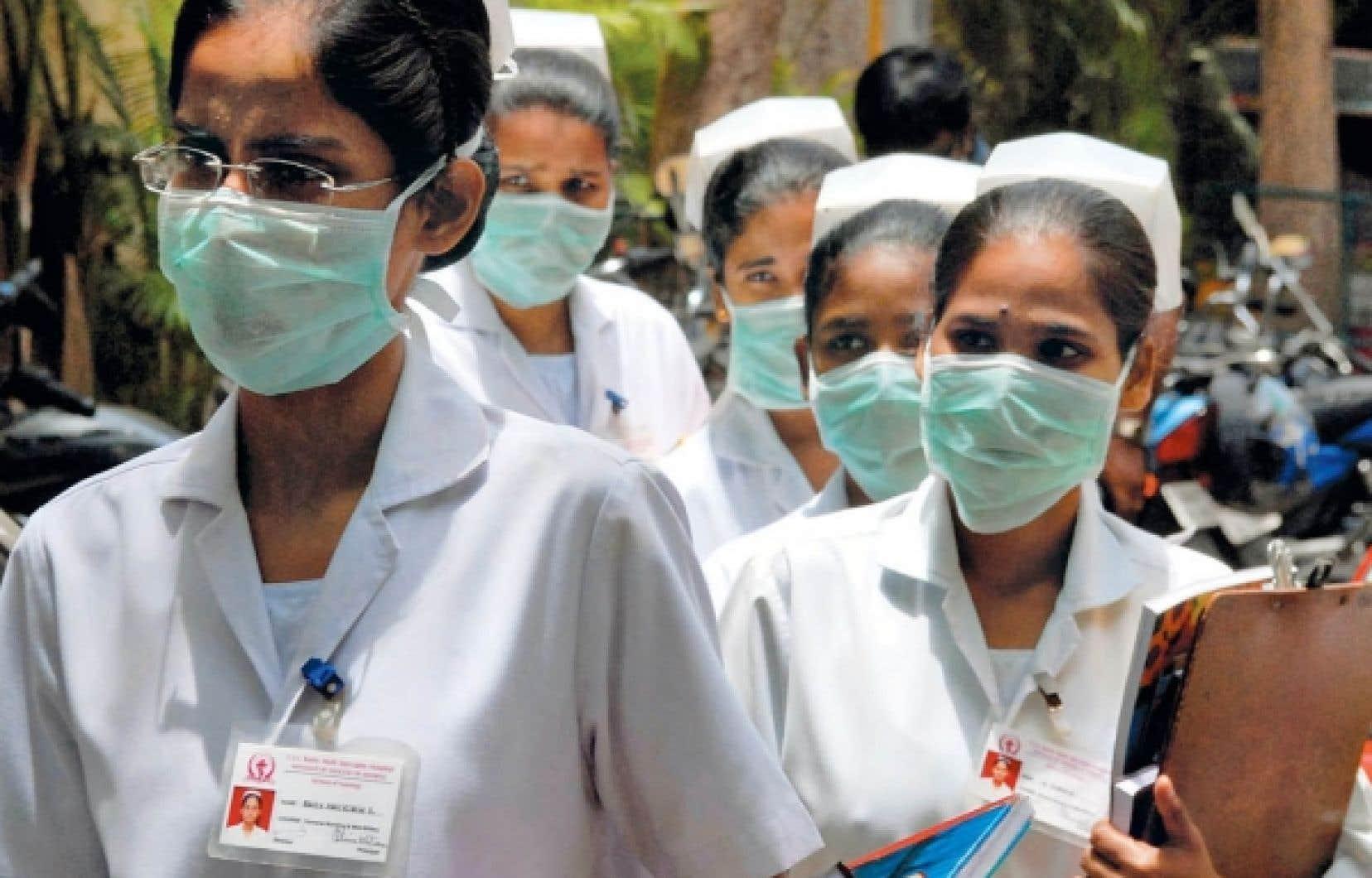 Des infirmières du Mehta Hospital, à Chennai, en Inde. À l'embauche, le salaire d'une infirmière indienne peut être d'à peine 2500 roupies par mois (environ 50$). Le harcèlement sexuel tient de la pandémie, disent-elles, et le congé de maternité est une chimère: une employée qui tombe enceinte est forcée de démissionner.
