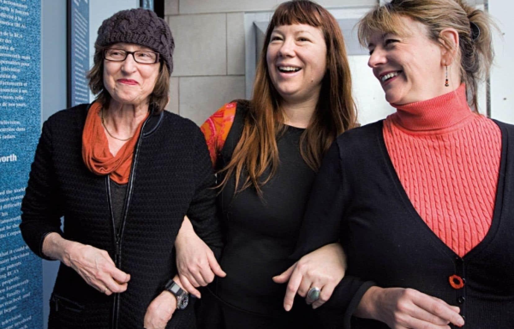 Le groupe Réalisatrices équitables célèbre le 40e anniversaire de La vie rêvée, de Mireille Dansereau (à gauche), qui était hier en compagnie d'Isabelle Hayeur et de Marquise Lepage.<br />