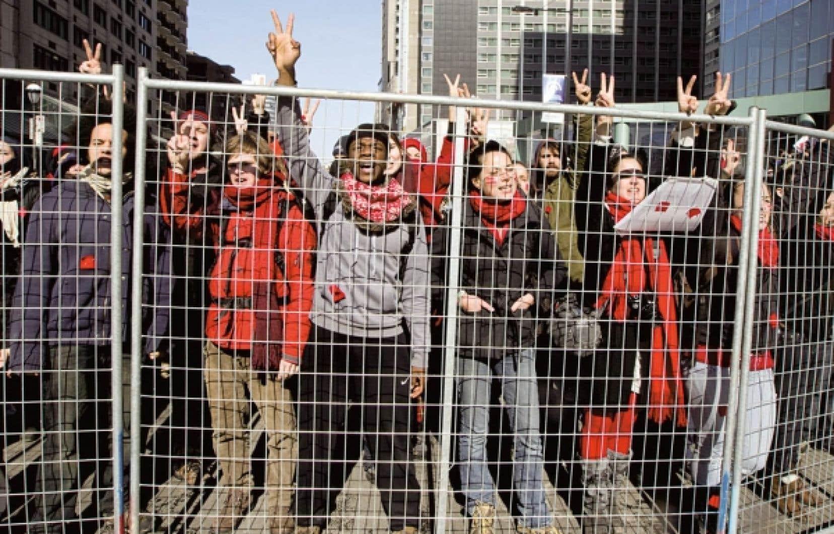 Plus de 130 000 étudiants du cégep et de l'université sont actuellement en grève pour lutter contre la hausse prévue des droits de scolarité.