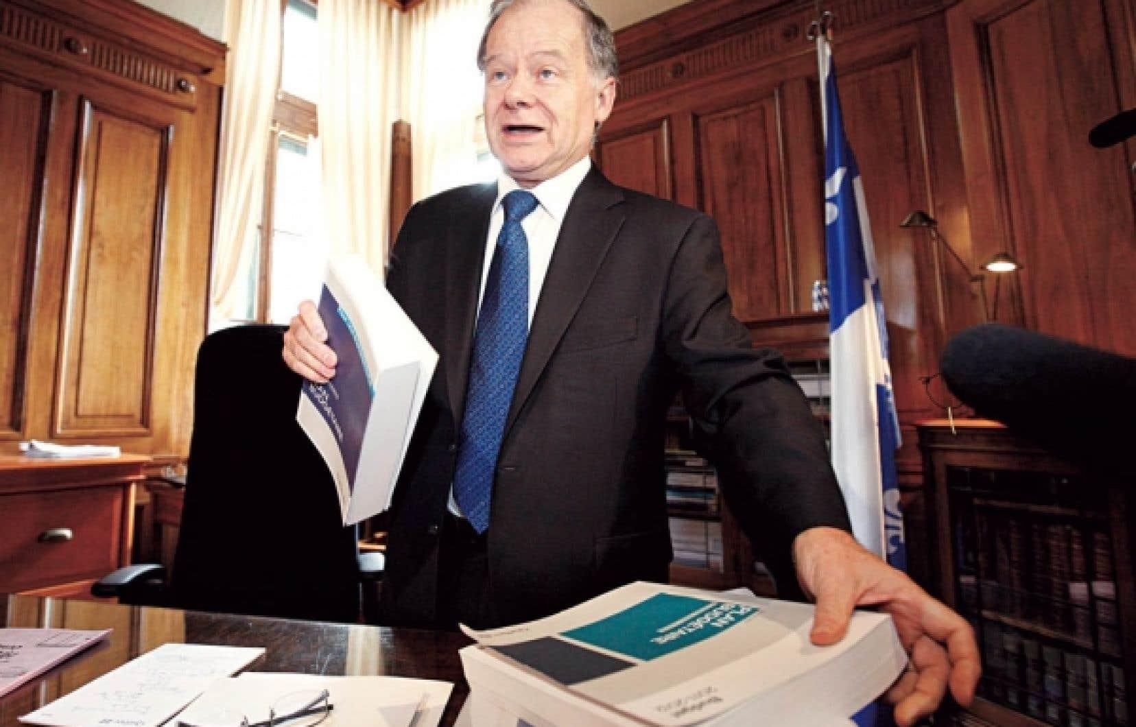 Le ministre des Finances, Raymond Bachand, dévoile aujourd'hui son troisième budget, qui se veut en parfaite continuité avec les deux premiers.