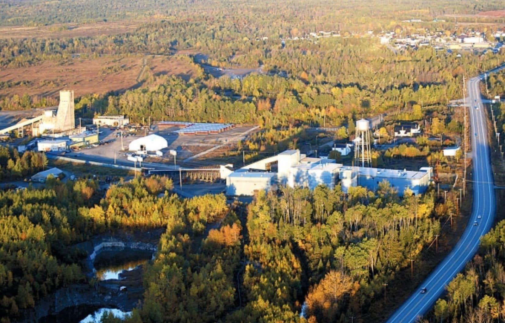 Le gouvernement du Québec investira dans certains projets touchant les ressources naturelles, tels des projets miniers.<br />