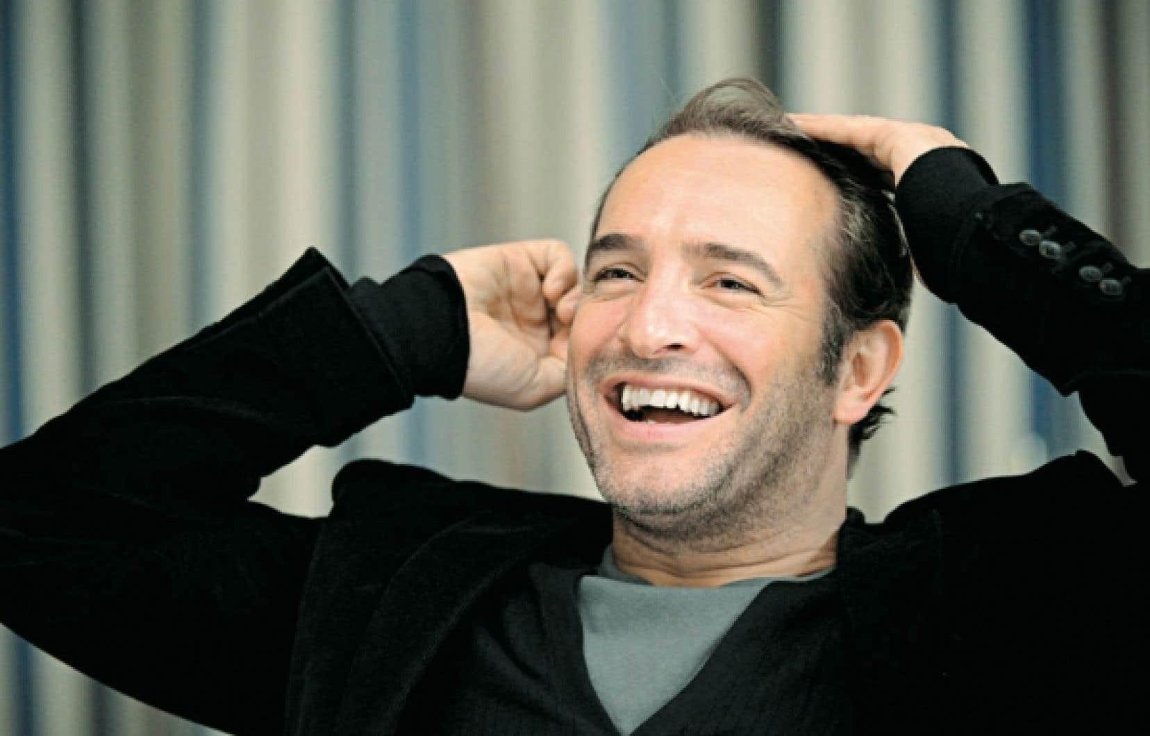 La décision de faire entrer dans Le Petit Robert l'acteur Jean Dujardin, oscarisé pour sa performance dans le film The Artist, n'a pas été motivée par sa consécration, le choix ayant été arrêté en octobre, selon la directrice éditoriale.