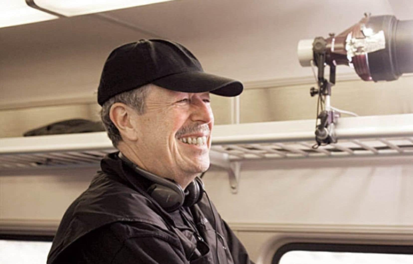 Le cinéaste Denys Arcand lors du tournage de son long métrage L'âge des ténèbres <br />