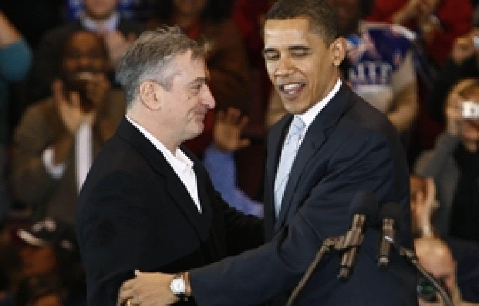 L'acteur Robert de Niro a apporté hier son soutien au démocrate Barack Obama lors d'un rassemblement dans le New Jersey.