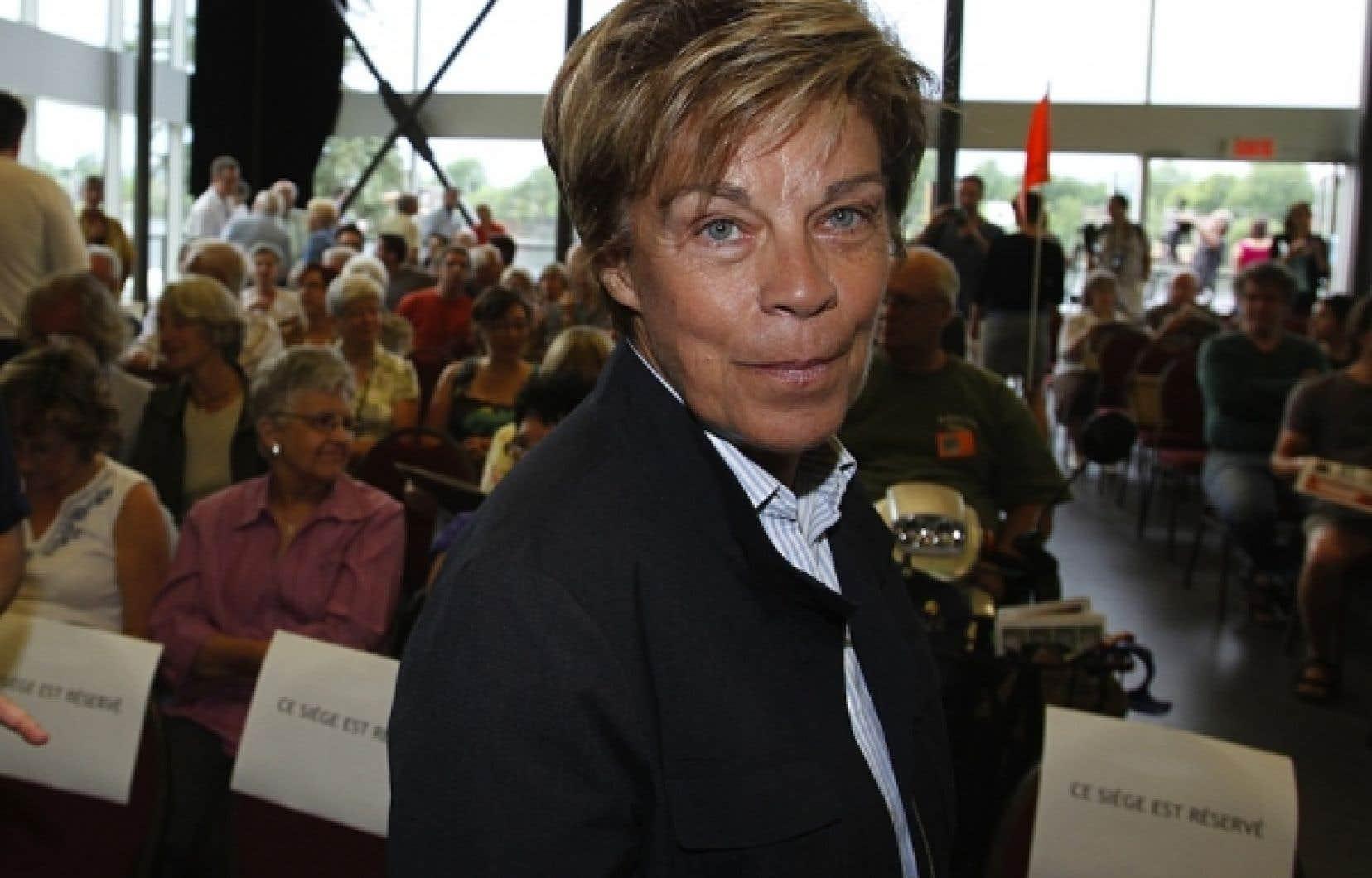 Louise Beaudoin avait quitté avec fracas la caucus péquiste, en juin dernier.