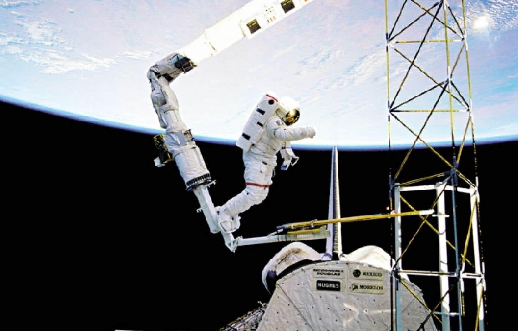 <div> Un des deux types de robots pour lesquels excelle le Canada: le bras spatial Canadarm</div>