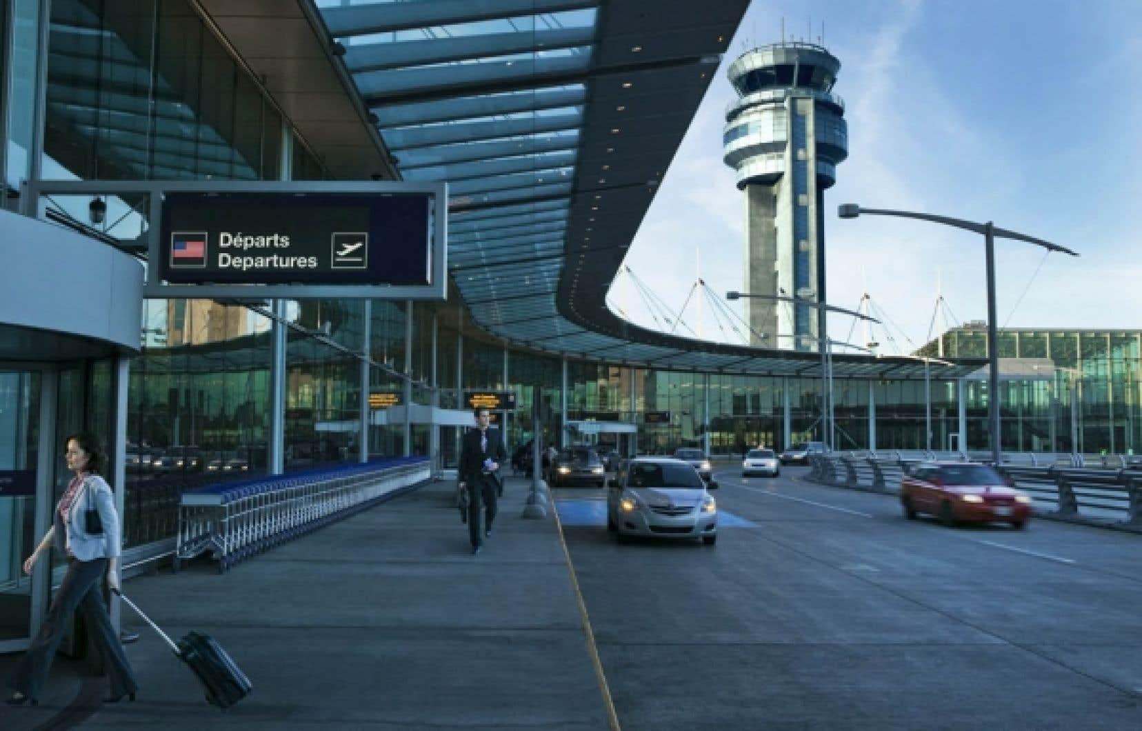 <div> L'aéroport Trudeau à Dorval</div>