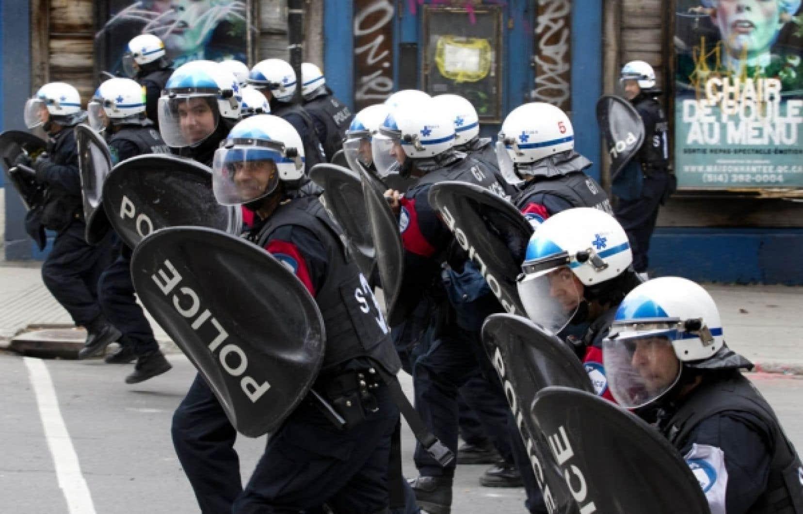 L'escouade antiémeute du Service de police de la Ville de Montréal a dû de nouveau être utlisée hier pour maîtriser une nouvelle manifestation étudiante.<br />