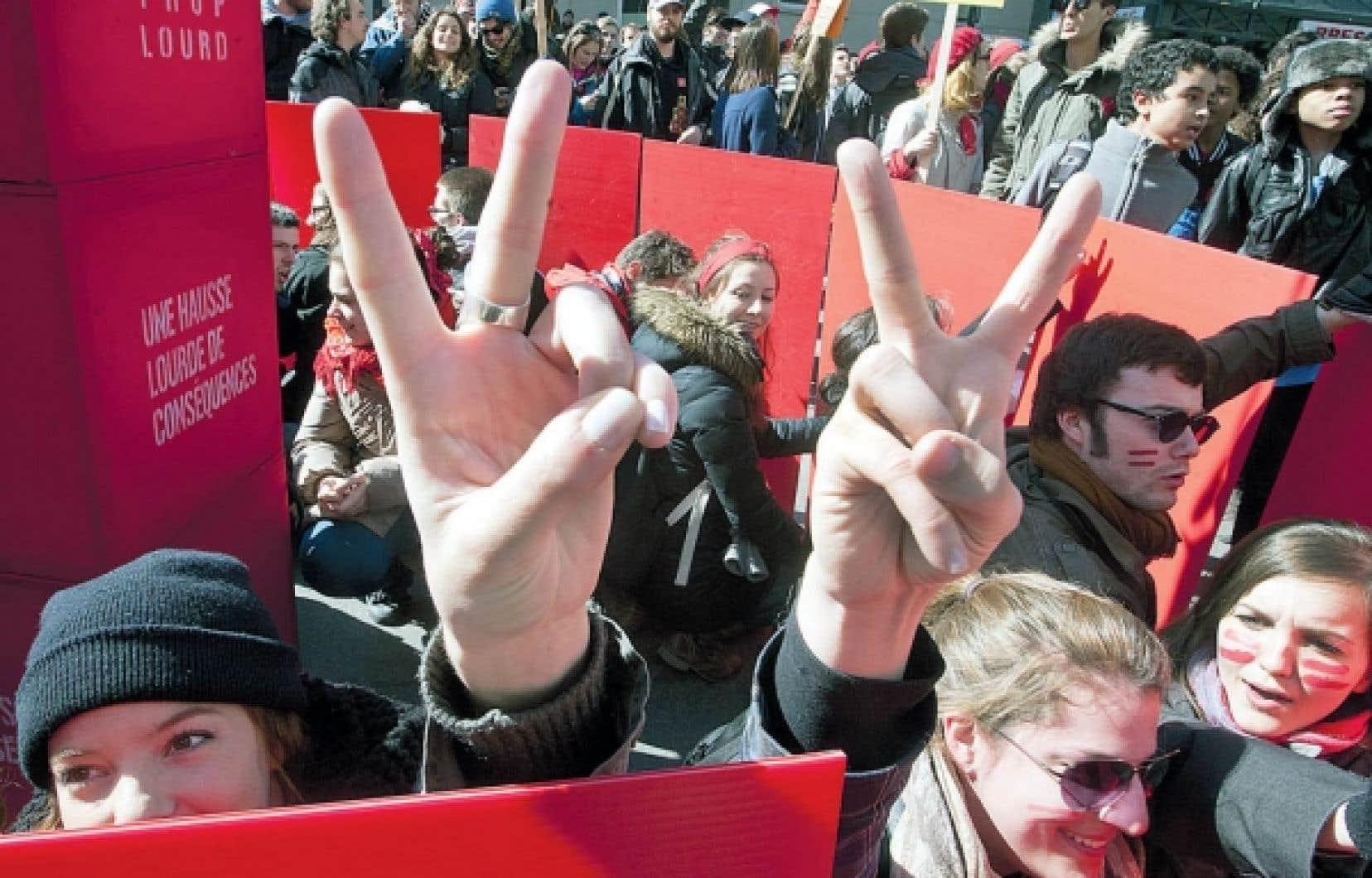 Après plusieurs semaines de grève marquées par de nombreuses manifestations, les fédérations étudiantes se sont assises avec le gouvernement pour trouver une issue au conflit.