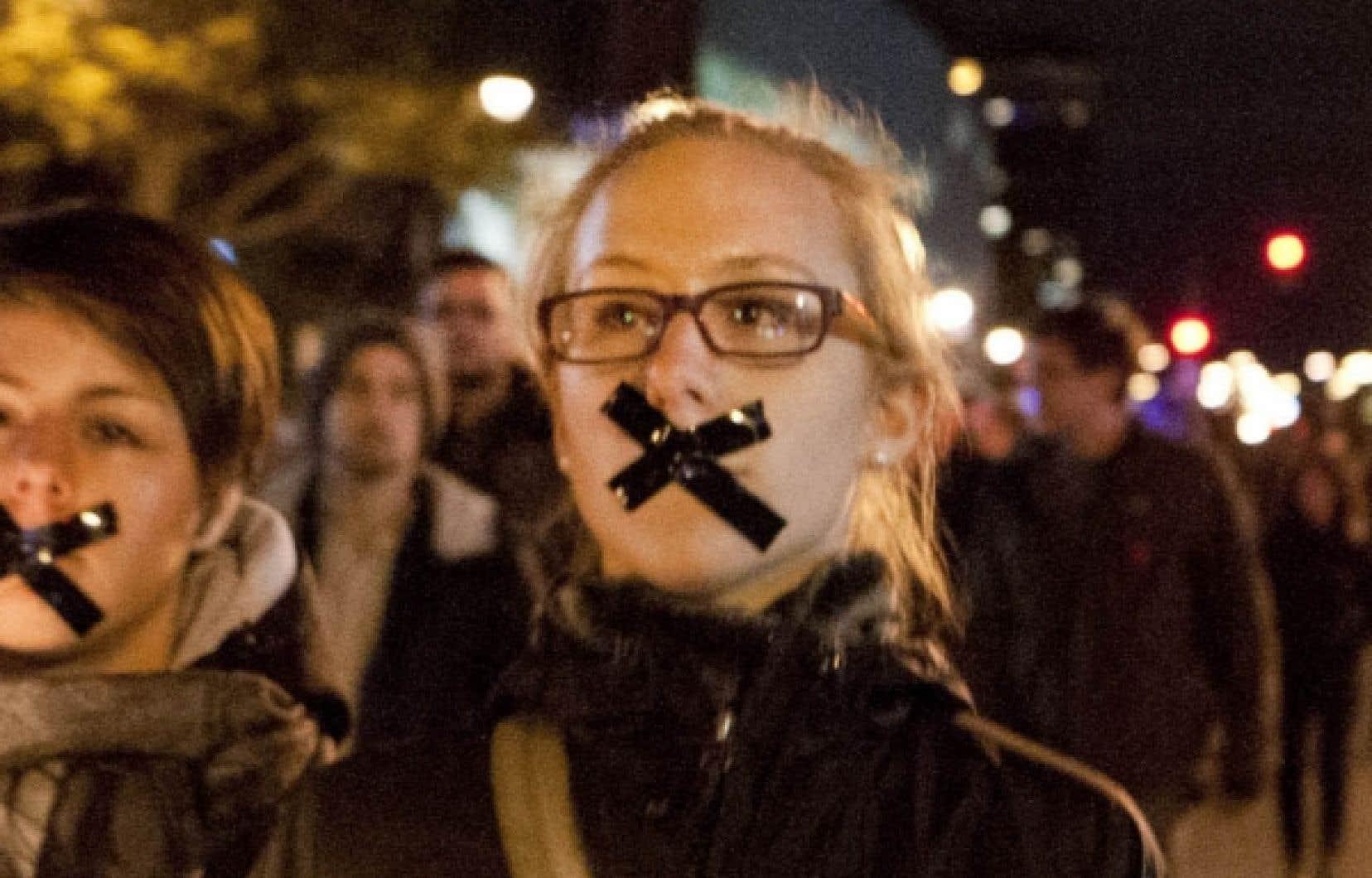 La manifestation d&#39;hier soir a d&eacute;but&eacute; pacifiquement.<br />