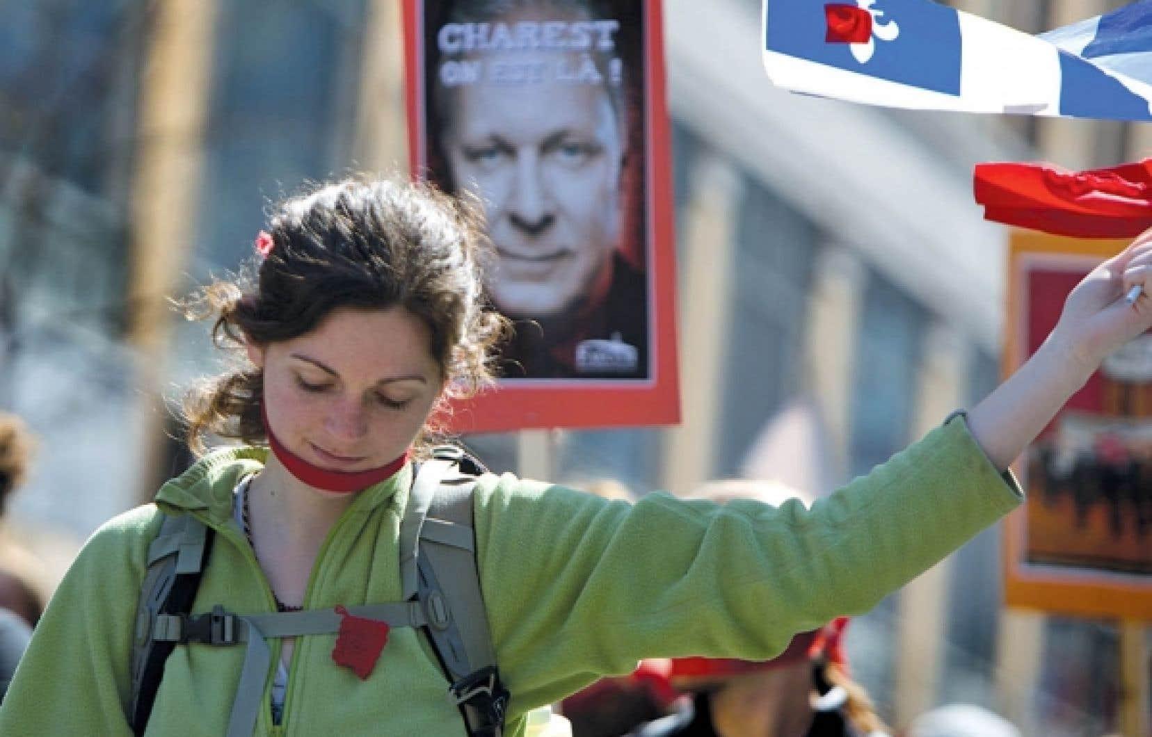La crise sociale vécue actuellement appelle d'urgence une solution négociée par les acteurs politiques, soutient le professeur Christian Brunelle.
