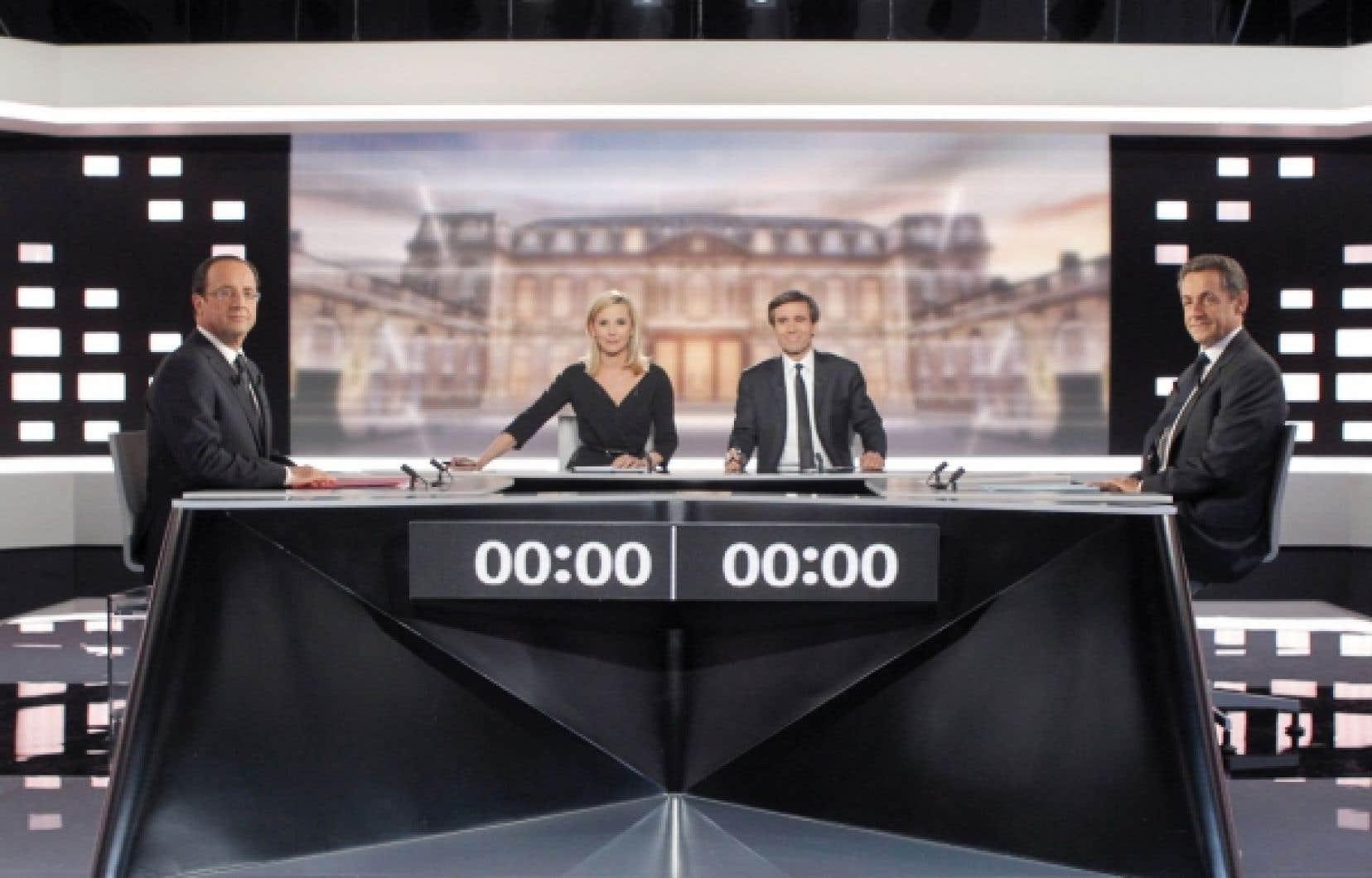 À plusieurs reprises, Nicolas Sarkozy a traité François Hollande de « menteur » et même de « petit calomniateur ». Ce qui a suscité cette réplique du candidat socialiste : « Calomnies, mensonges, vous n'êtes pas capable de tenir un raisonnement sans être désagréable avec votre interlocuteur ».