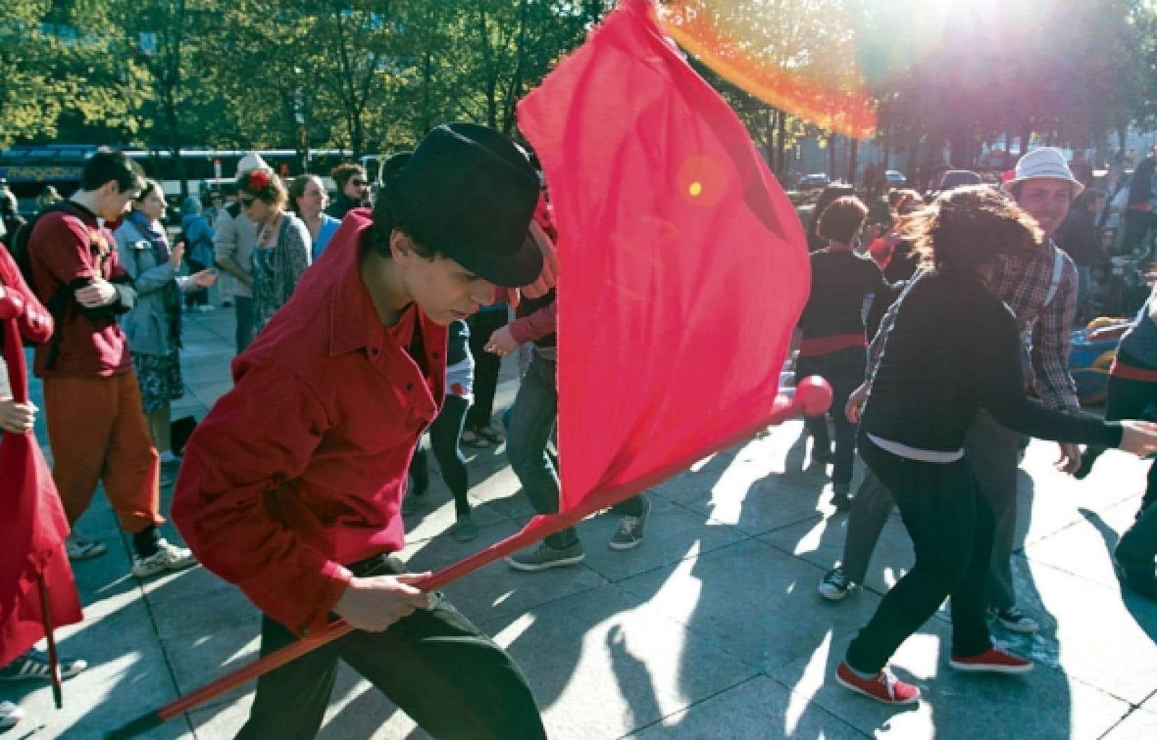 Si une certaine jeunesse conspue le « capitalisme » et ses profiteurs, les étudiants contestataires ne manquent pas de raisons de craindre pour l'avenir.