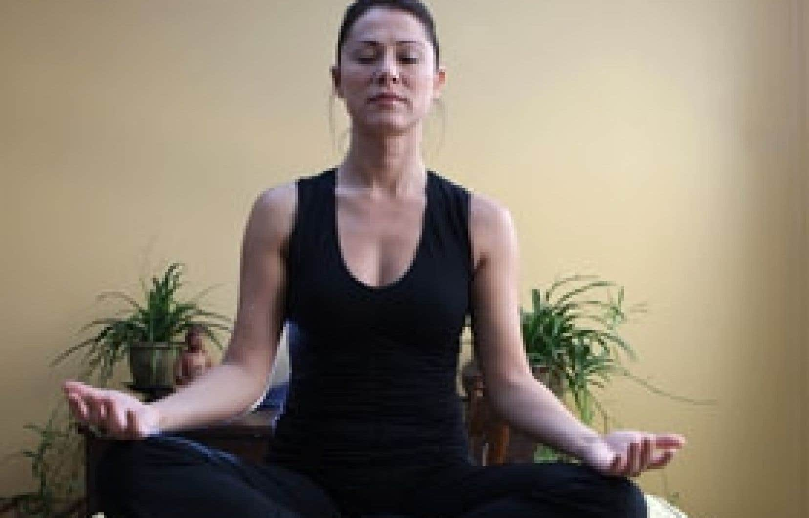 La méditation peut contribuer à la guérison de diverses maladies et à la prévention d'autres maux. Méditer permet aussi de se centrer sur le présent, de se tenir à l'écart des ruminations négatives et de se déconnecter de cette spirale inf