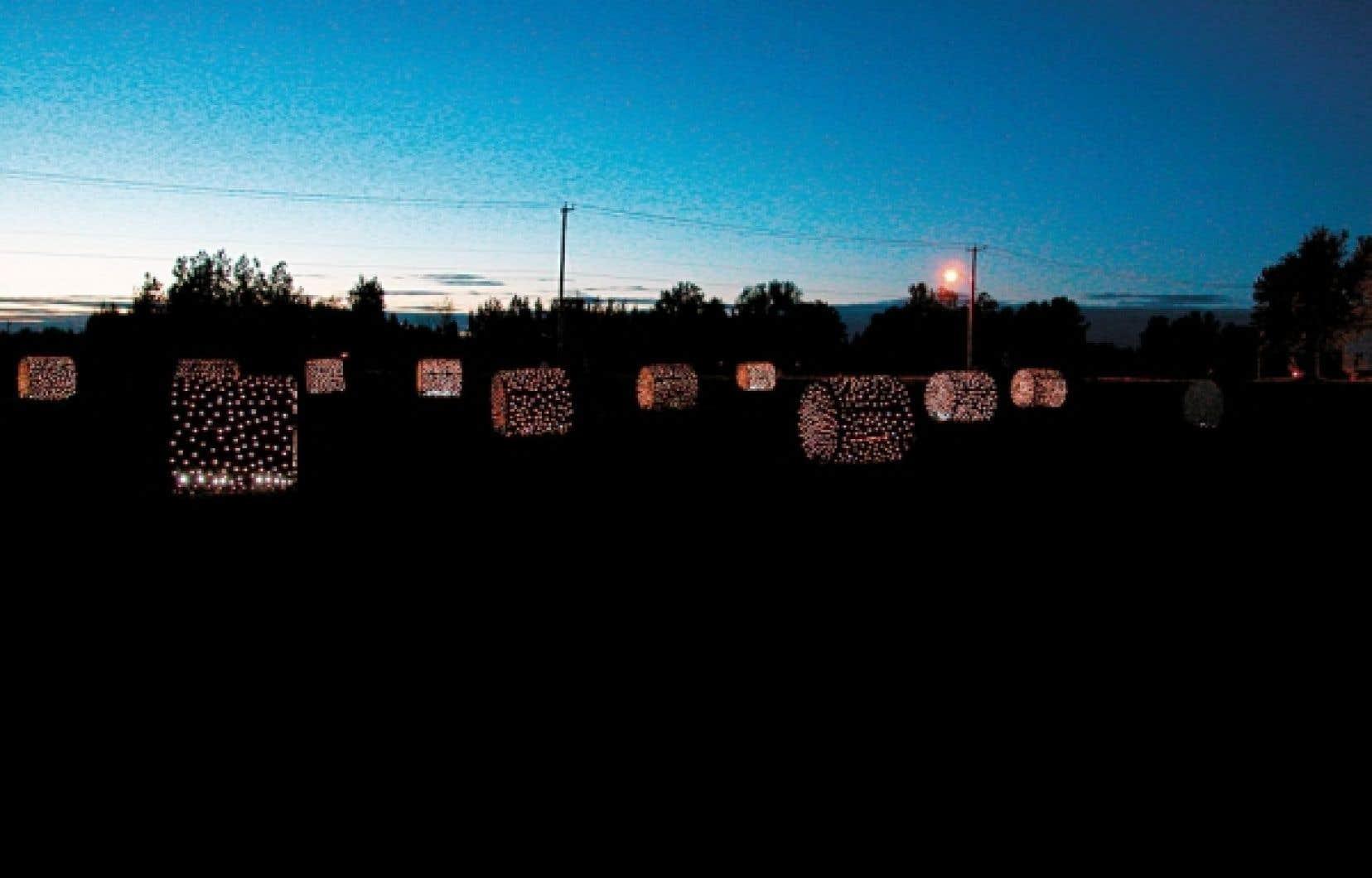 Les belles balles, tubes fluorescents, Saint-Casimir, en collaboration avec l'œil de poisson, 2006