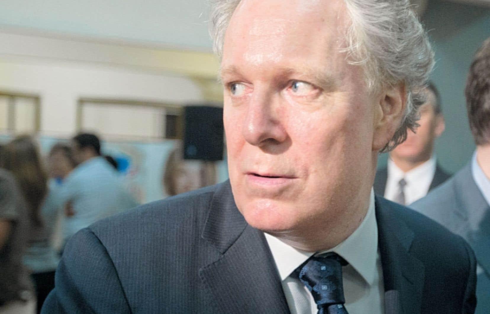 <div> Le consensus dans les milieux politiques à Québec veut que le chef libéral, Jean Charest, joue son va-tout cet été.</div>