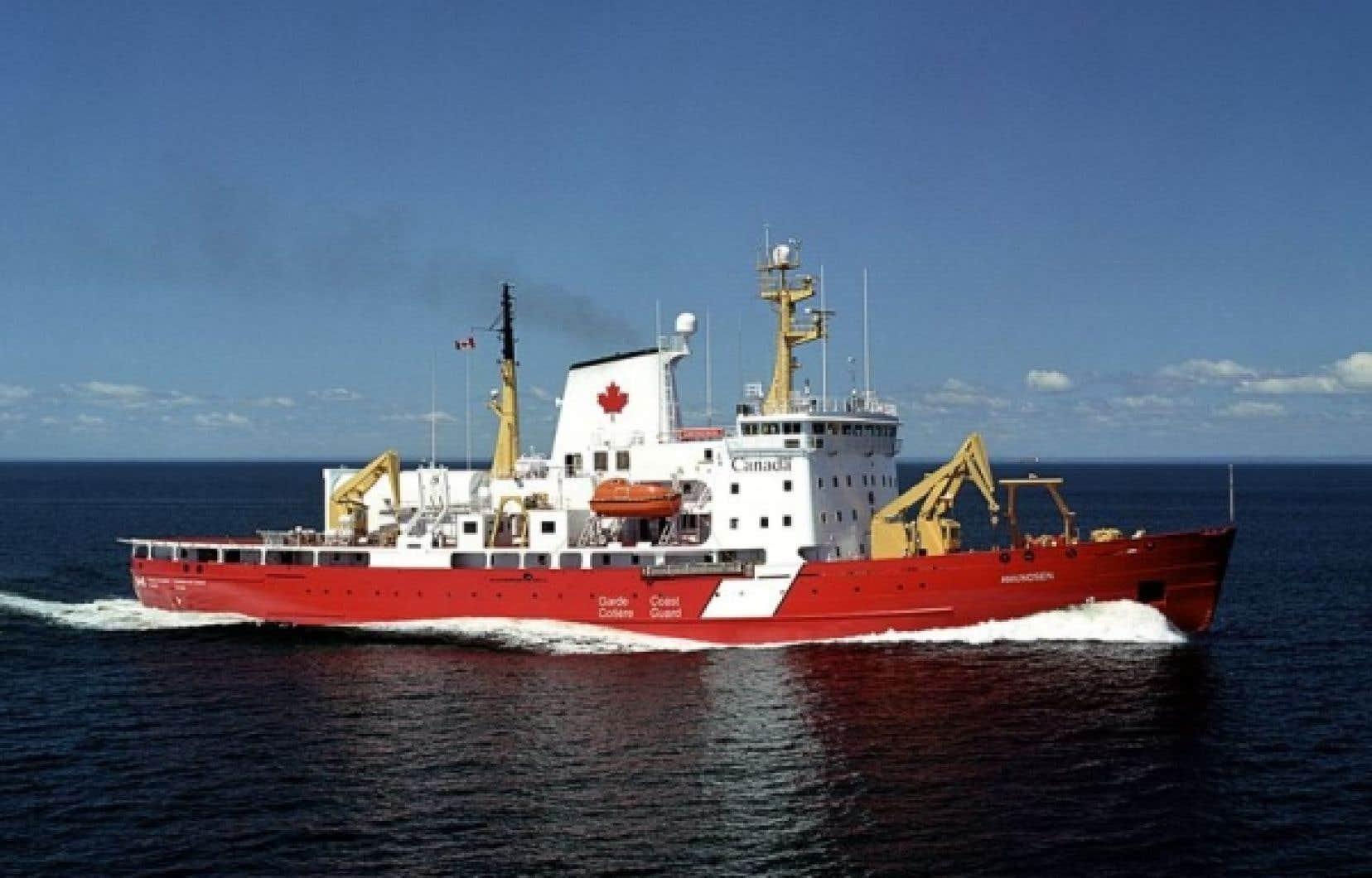 Pêches et Océans, qui subit sa troisième vague de compressions depuis décembre, voit 395 de ses employés menacés par les envois de lettres mercredi.