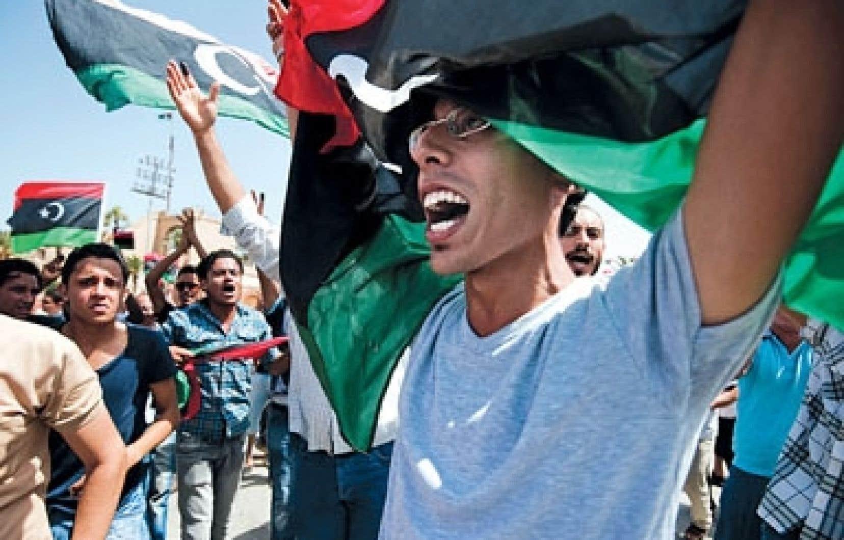 Les élections se sont déroulées dans une ambiance festive après des dizaines d'années de dictature sous le régime de Mouammar Kadhafi.