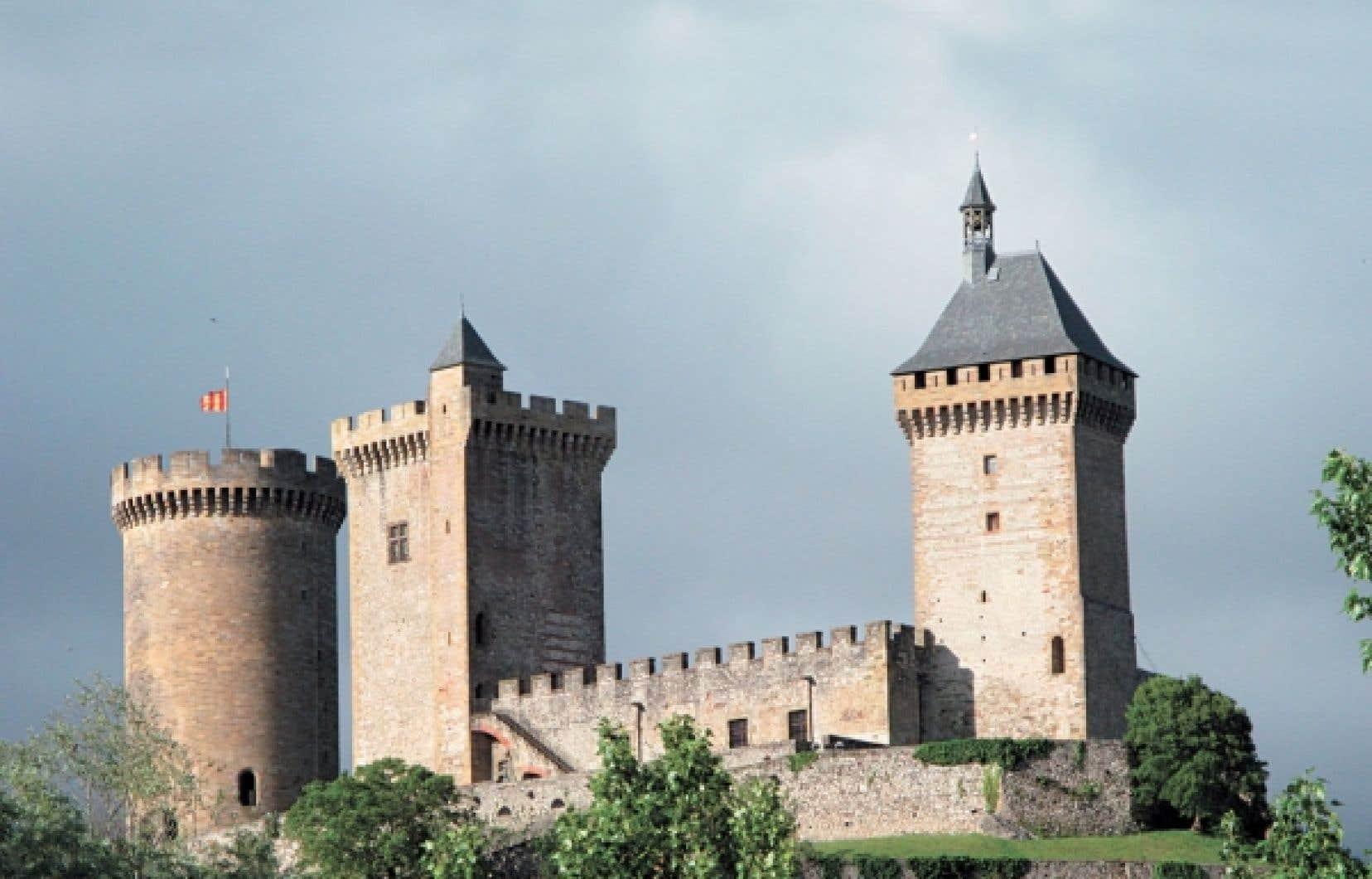 Le château de Foix, que l'on croise sur le Sentier cathare. Au total, le randonneur rencontrera 10 châteaux sur sa route.