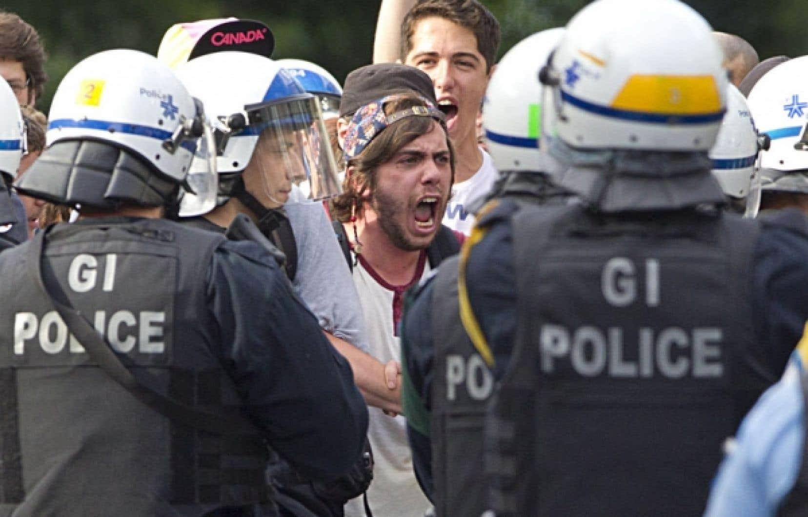 Les débordements, comme ceux observés durant certaines manifestations étudiantes des derniers mois, risquent de discréditer le mouvement en cette période électorale.