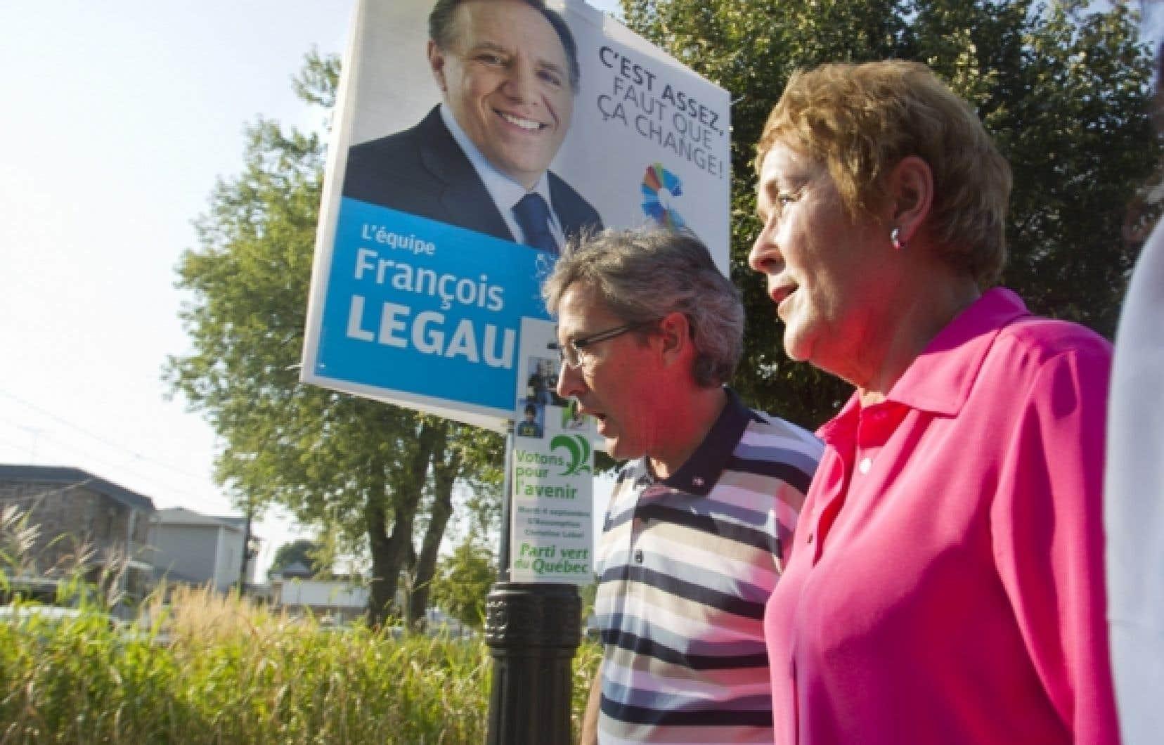 Pauline Marois était aujourd'hui à L'Assomption, dans la circonscription du même nom où François Legault tente de se faire élire, avec son candidat Scott McKay.