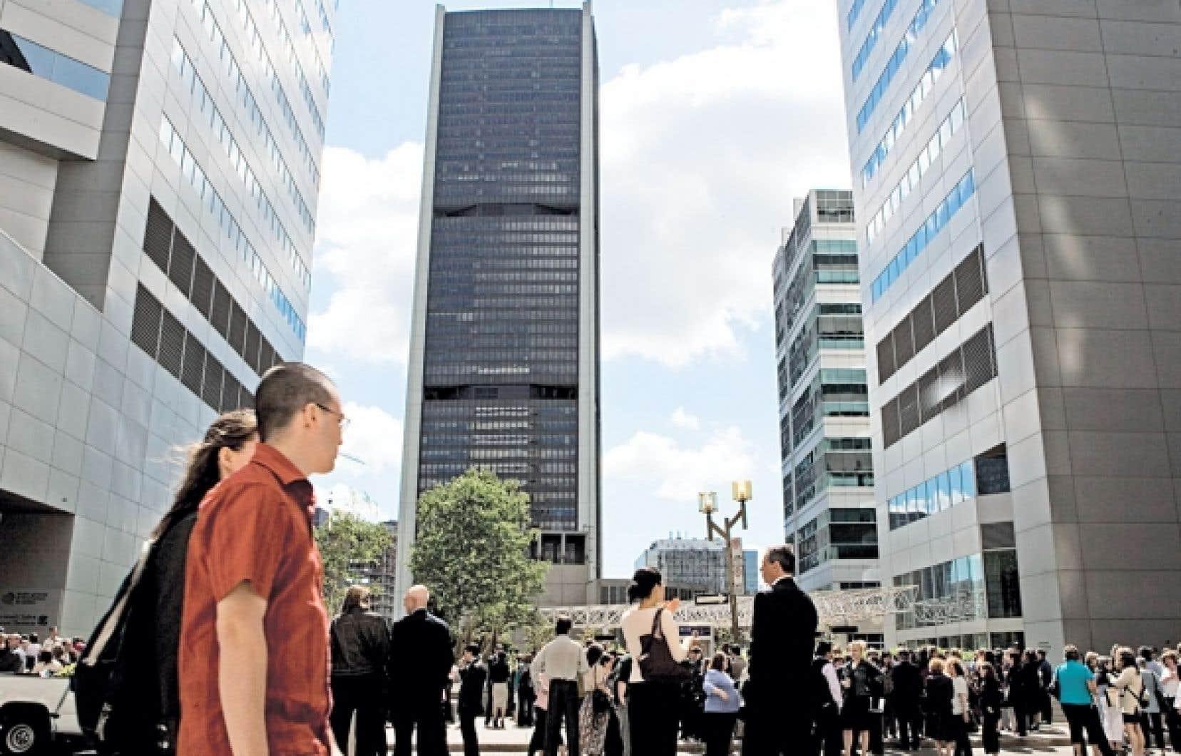 Le quartier des affaires à Montréal. L'élection d'un gouvernement du Parti québécois n'a pas suscité beaucoup d'émoi dans la communauté d'affaires, le gouvernement minoritaire de Pauline Marois n'ayant pas les coudées franches pour réaliser son programme électoral.