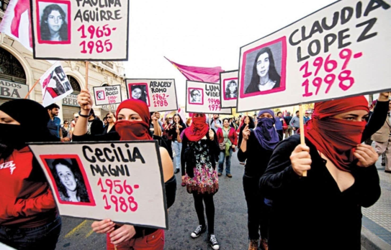 Des manifestations pour commémorer la mort de Salvador Allende de même que les exécutions et les disparitions de nombreux Chilliens ont eu lieu dimanche dans plusieurs villes du Chili.