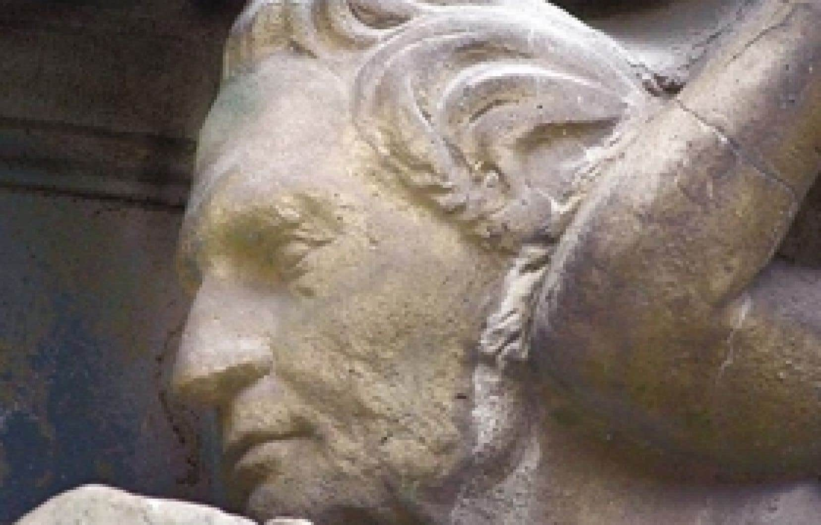 Profil en relief de Louis-Joseph Papineau sur une façade de la rue Saint-Denis, à Montréal