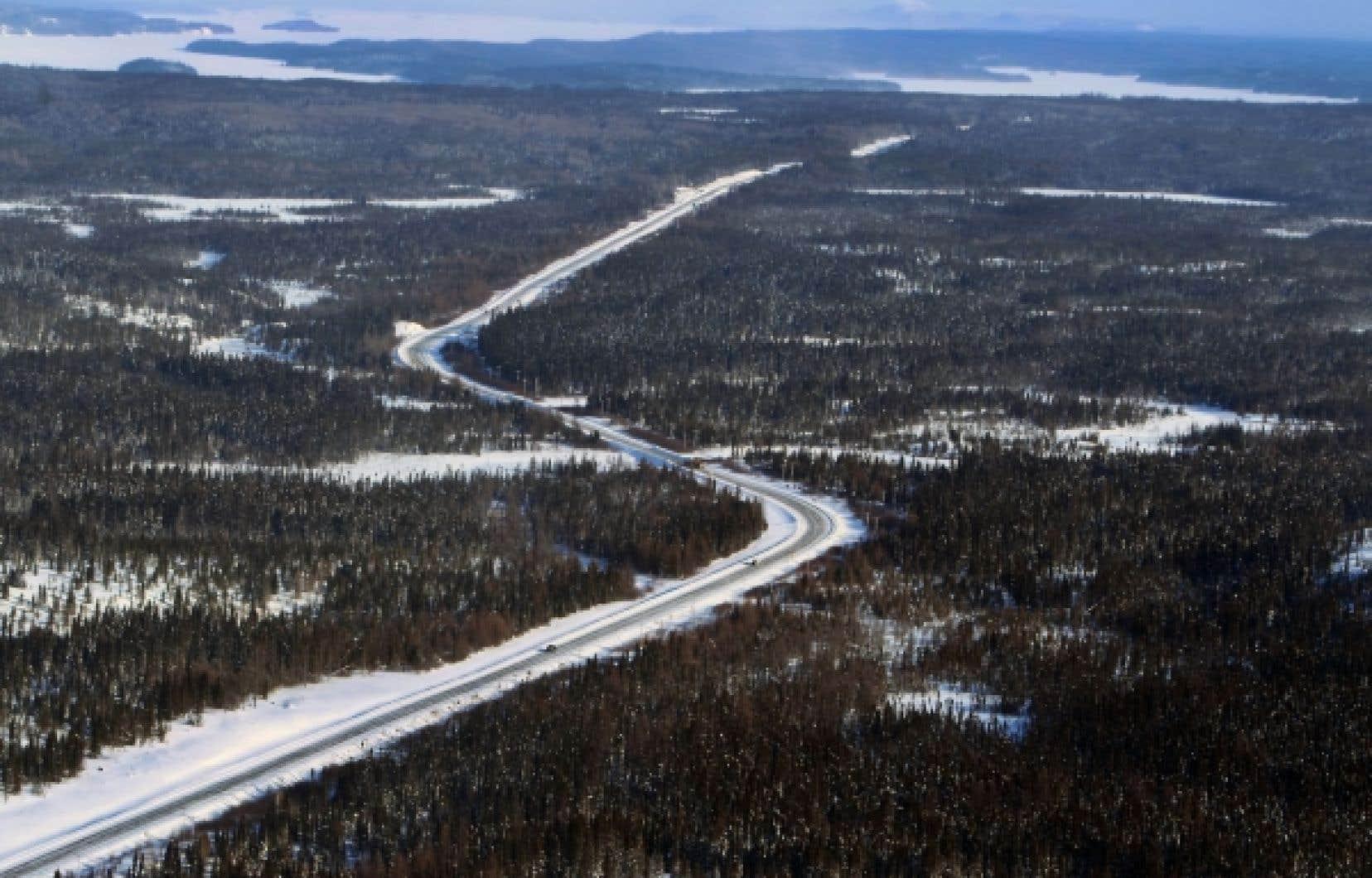 Le prolongement de la route 167 servira plus tard à d'autres compagnies minières qui contribueront à son financement.