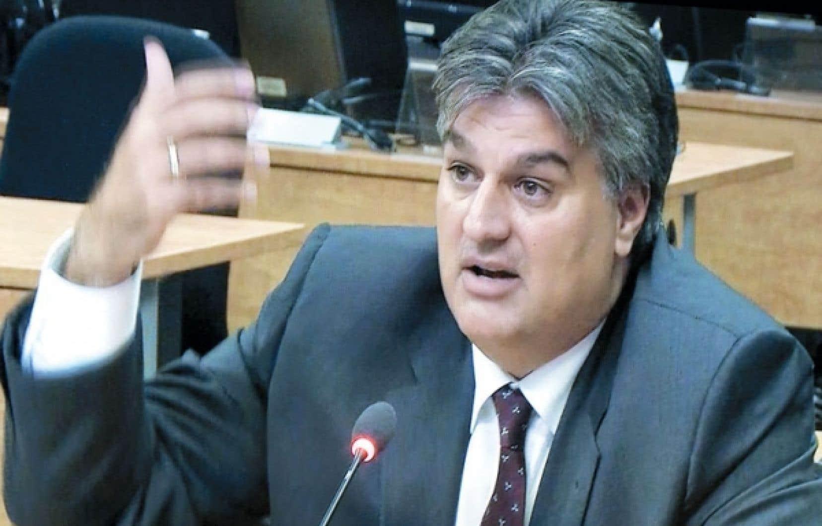 L'ex-entrepreneur Lino Zambito a affirmé à la commission Charbonneau que l'arrivée de l'escouade Marteau a ralenti le système de corruption et de collusion à Montréal.