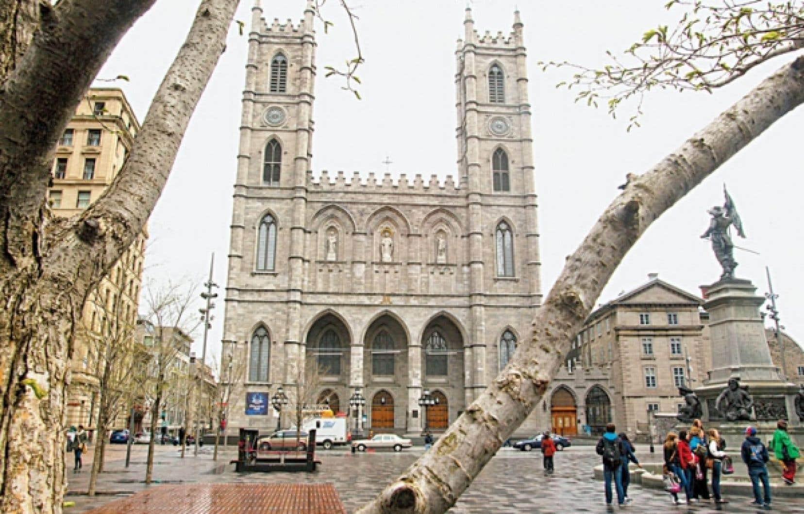 La basilique Notre-Dame de Montréal n'est pas classée. « Est-ce que la valeur dépend uniquement de l'urgence ? », demande le directeur des politiques chez Héritage Montréal, Dinu Bumbaru.