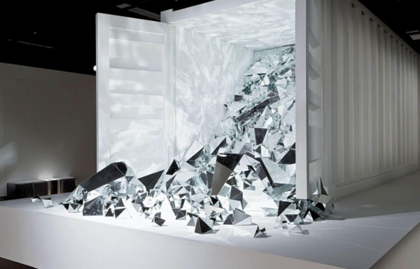 Simon Bilodeau, Le monde est un zombie, 2012. Vue de l'installation, salle Alfred-Pellan, Maison des arts de Laval, Laval (Qc).
