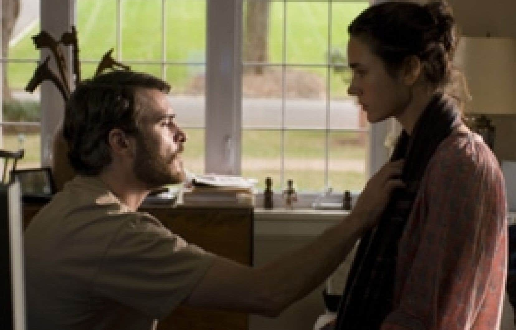 Dans Reservation Road, Joaquin Phoenix et Jennifer Connelly interprètent des parents dont le fils est fauché par un chauffard.