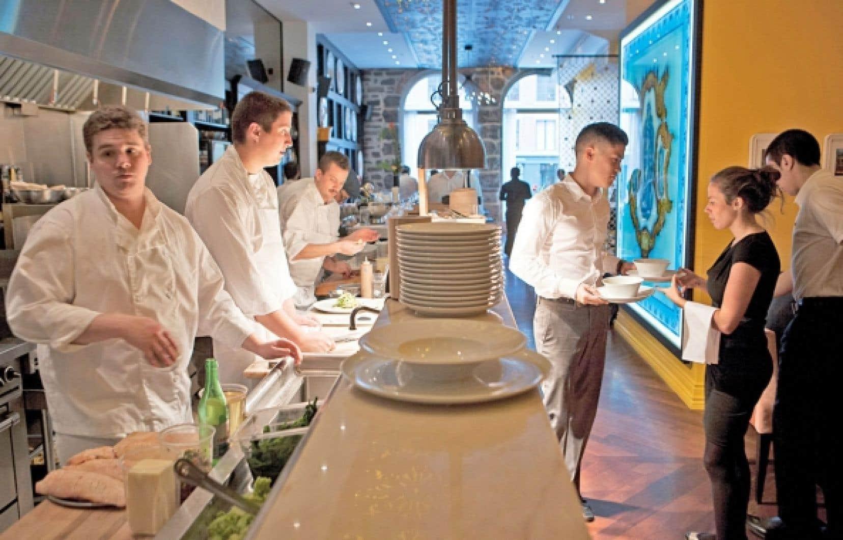 Le décor du restaurant Helena, à Montréal, allie bien les couleurs traditionnelles du Portugal.