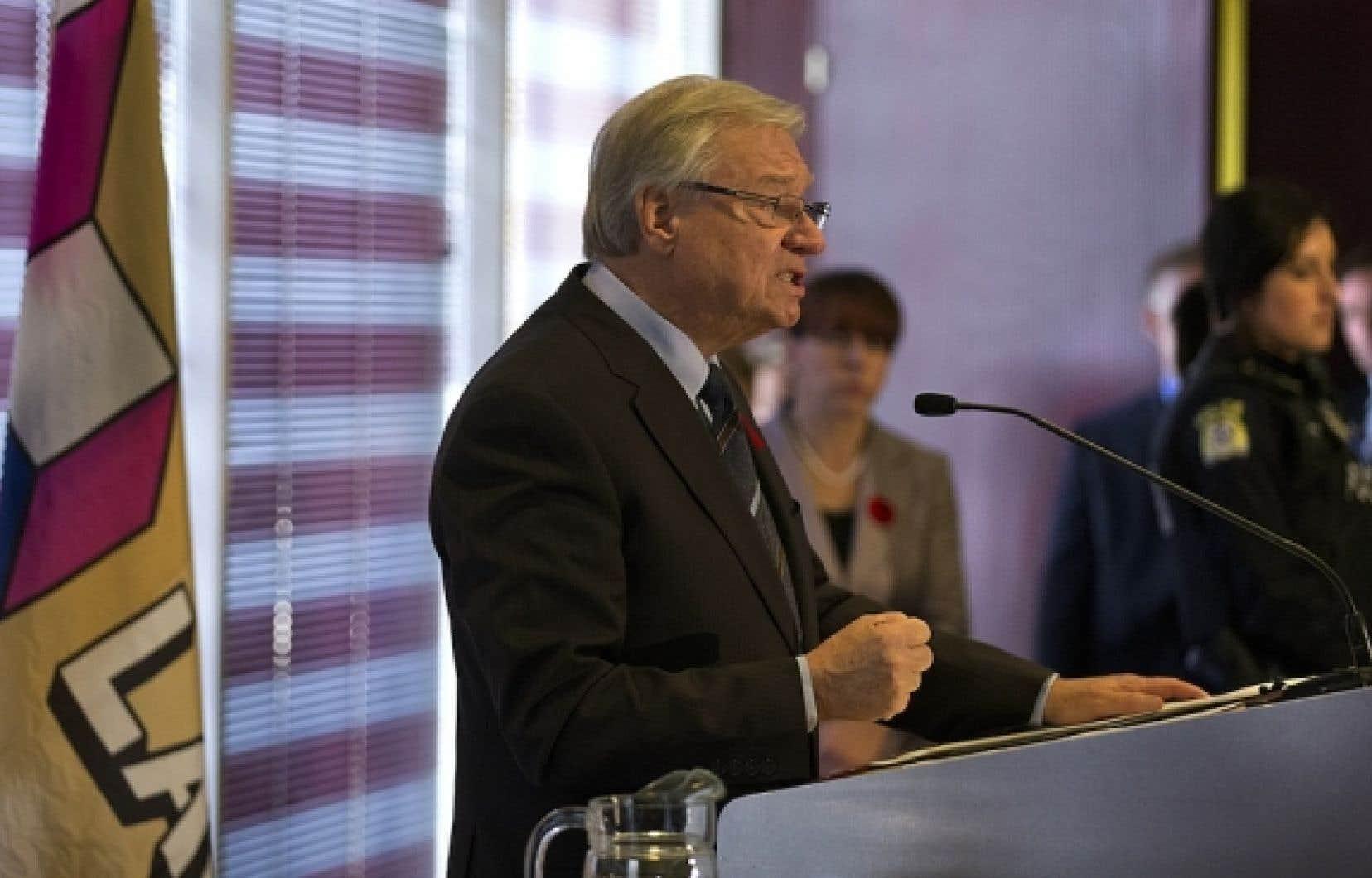 Le maire Gilles Vaillancourt, lors de son d&eacute;part de la mairie de Laval.<br />