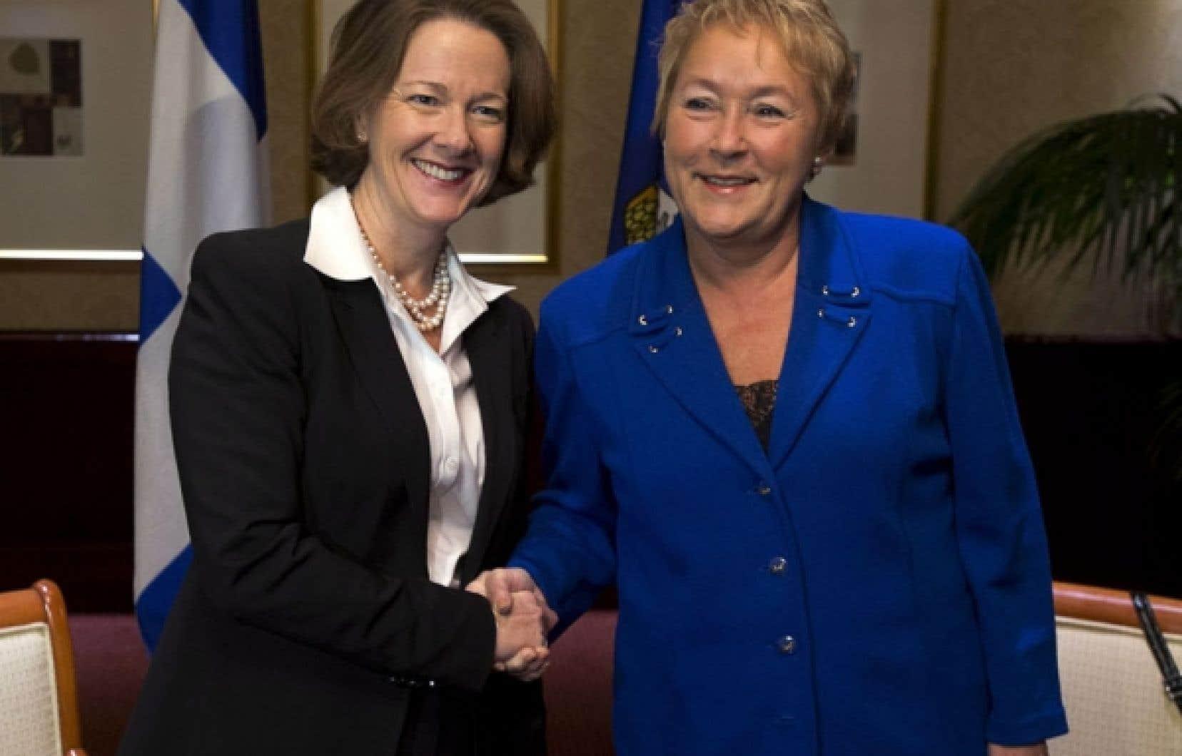 À l'issue d'une rencontre d'une demi-heure en marge de la réunion du Conseil de la fédération, Pauline Marois et son homologue albertaine Alison Redford ont annoncé qu'elles s'étaient entendues sur la mise sur pied d'un comité formé de fonctionnaires.