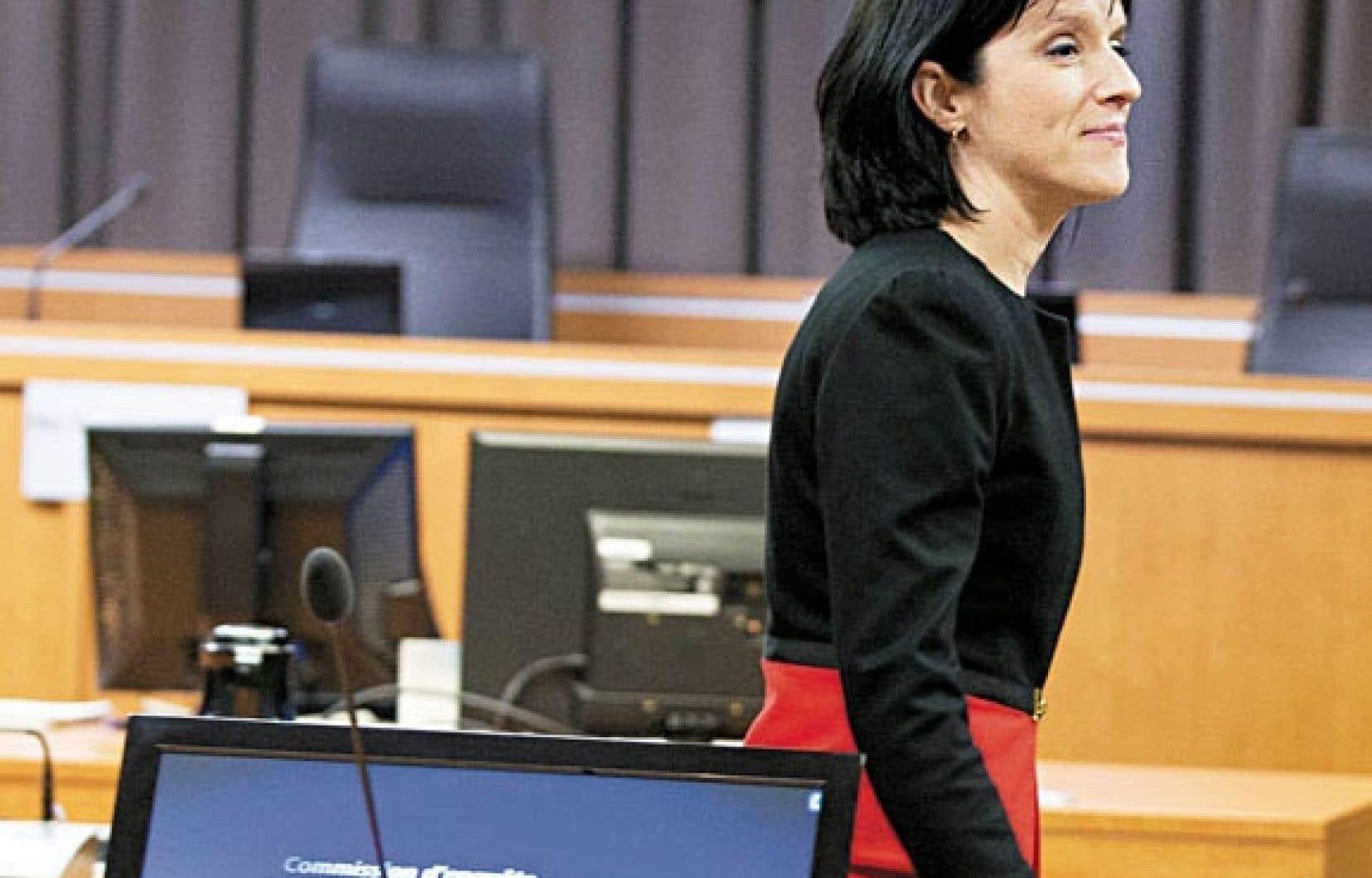 Me Sonia Lebel, procureure en chef de la commission Charbonneau, est allée rencontrer les journalistes, lundi, au sujet de l'ajournement des audiences.