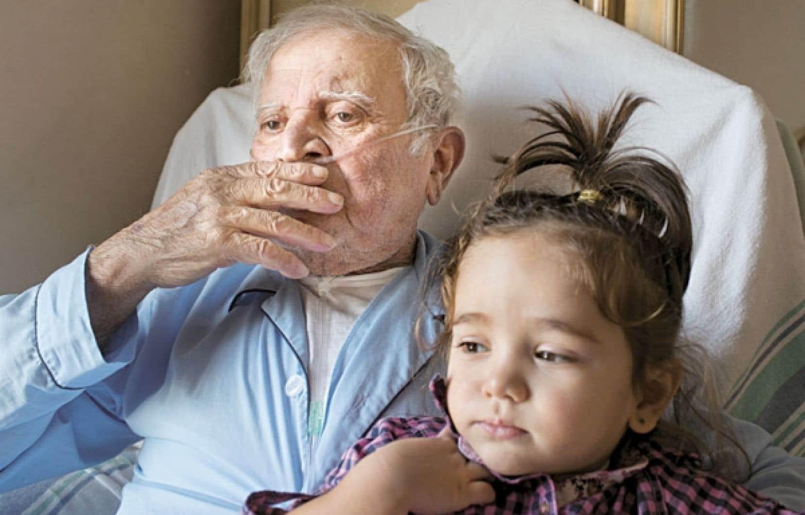 Carmine Di Raddo, que l'on voit ici avec sa petite-fille, est atteint d'un cancer.