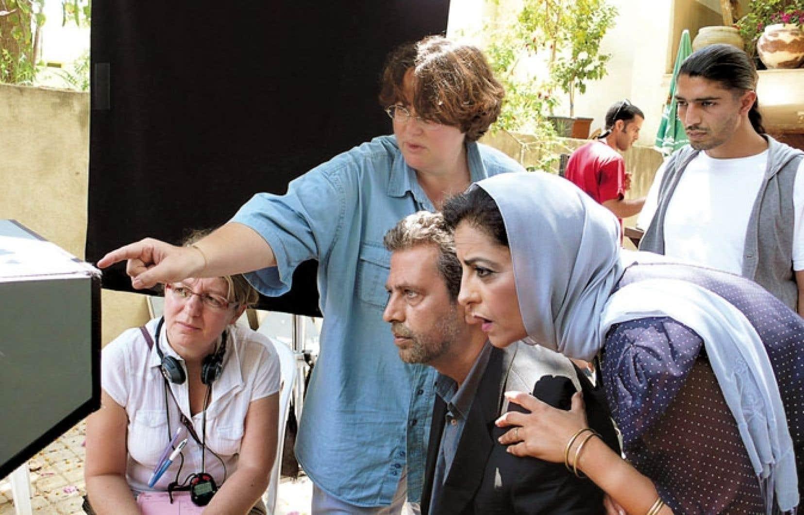 Le dernier long-métrage de Lorraine Lévy (pointant le moniteur) a pour cadre la poudrière du Moyen-Orient, à travers une fable optimiste.