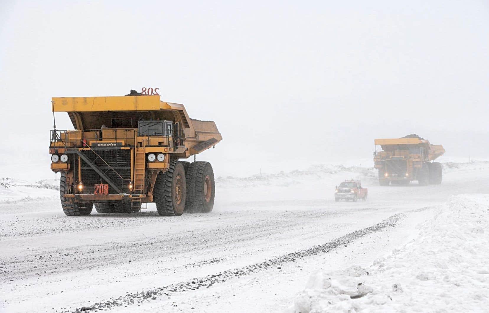 Pauline Marois a indiqué qu'elle s'attaquera à la hausse des redevances minières à la reprise des travaux à l'Assemblée nationale, ce que déplore laFédération des chambres de commerce du Québec (FCCQ).