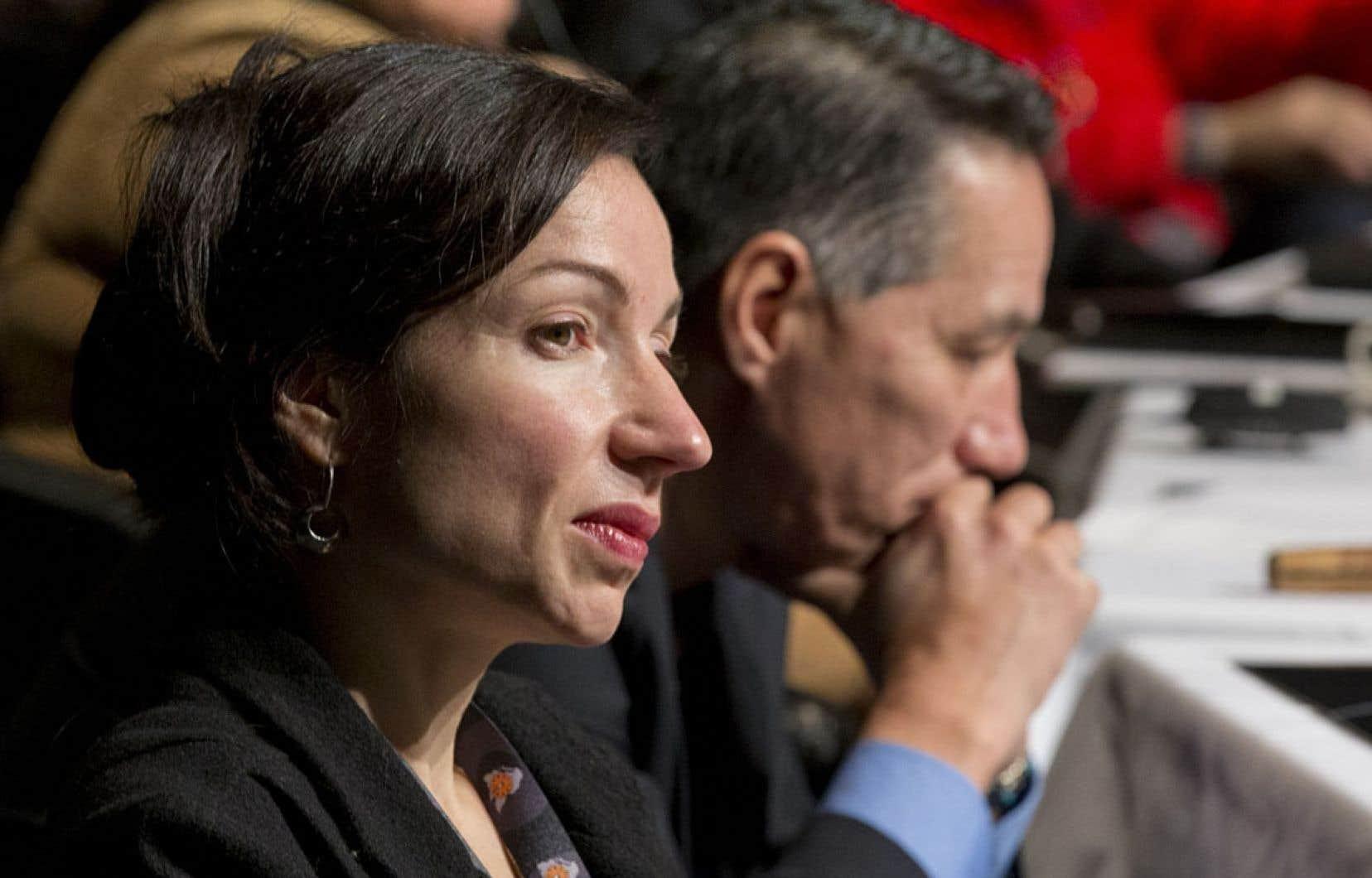 Lorsqu'elle était dans l'opposition, l'actuelle ministre des Ressources naturelles, Martine Ouellet, avait dénoncé à maintes reprises le manque de « transparence » du gouvernement Charest en ce qui a trait aux redevances.