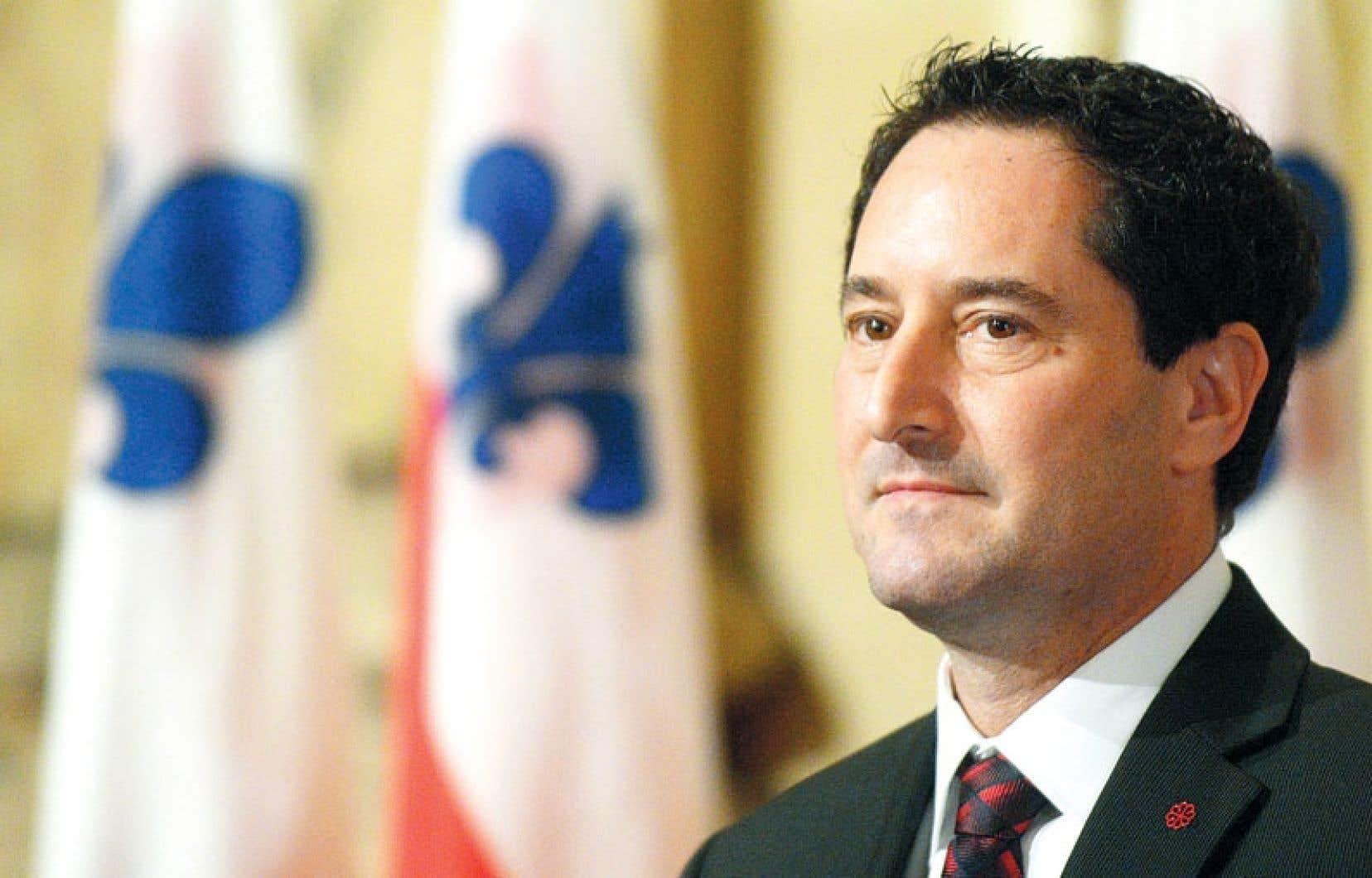 Le maire Applebaum n'a pas voulu s'engager sur la création d'un poste de commissaire à l'éthique, tel que l'a suggéré Vision Montréal. Il préfère attendre la publication du rapport du comité-conseil, en juin, avant d'aller plus loin.