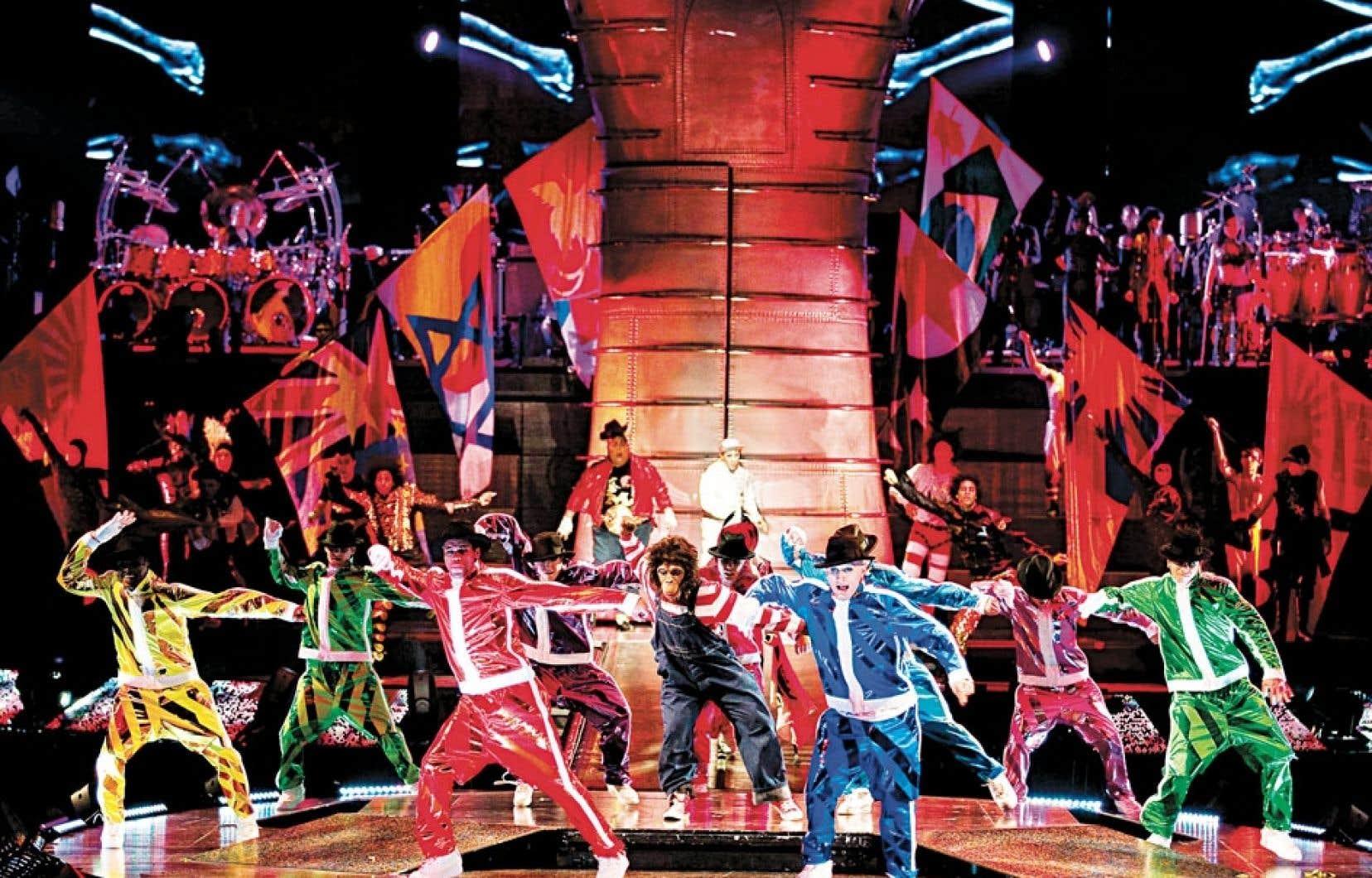 Alors que d'autres spectacles du Cirque du Soleil quittent l'affiche, la production itinérante Michael Jackson : The Immortal World Tour, créée il y a un an, s'installera de manière permanente au Mandalay Bay de Las Vegas en mai 2013.