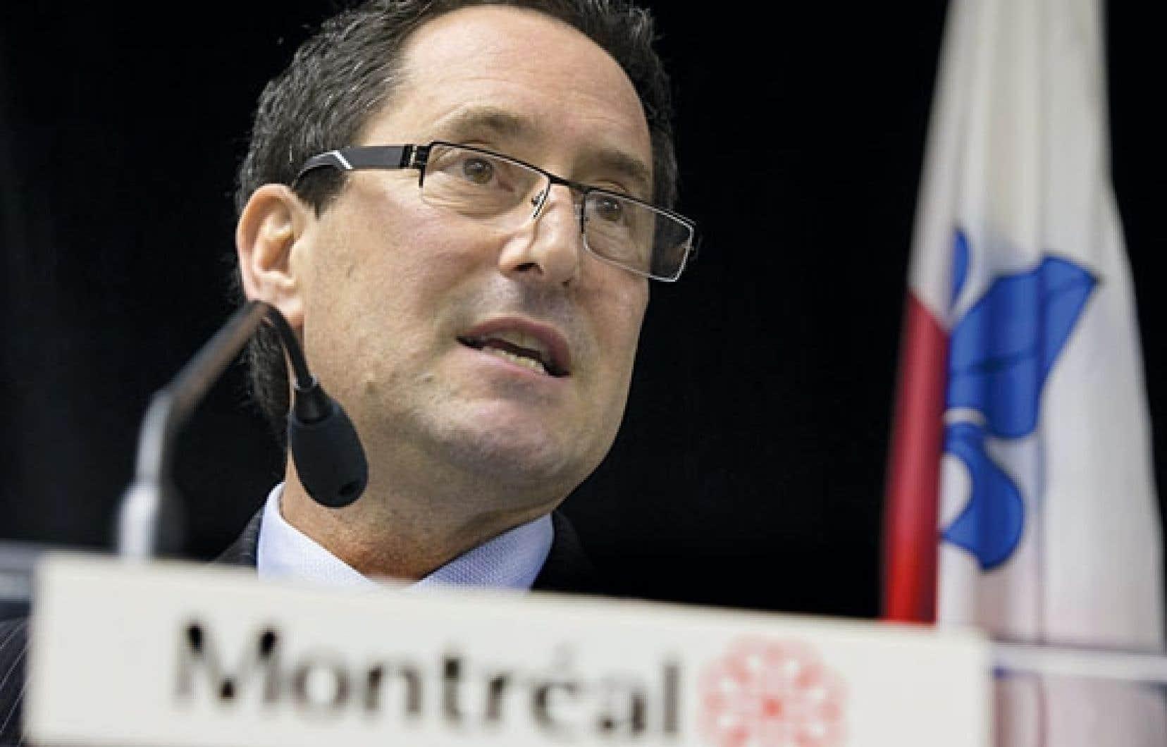 L'actuel maire de Montréal, Michael Applebaum, assure que ni Gérald Tremblay ni les membres du comité exécutif n'ont été mis au courant de l'existence de l'étude de 2004 sur les coûts des travaux d'infrastructures à Montréal pendant huit ans.